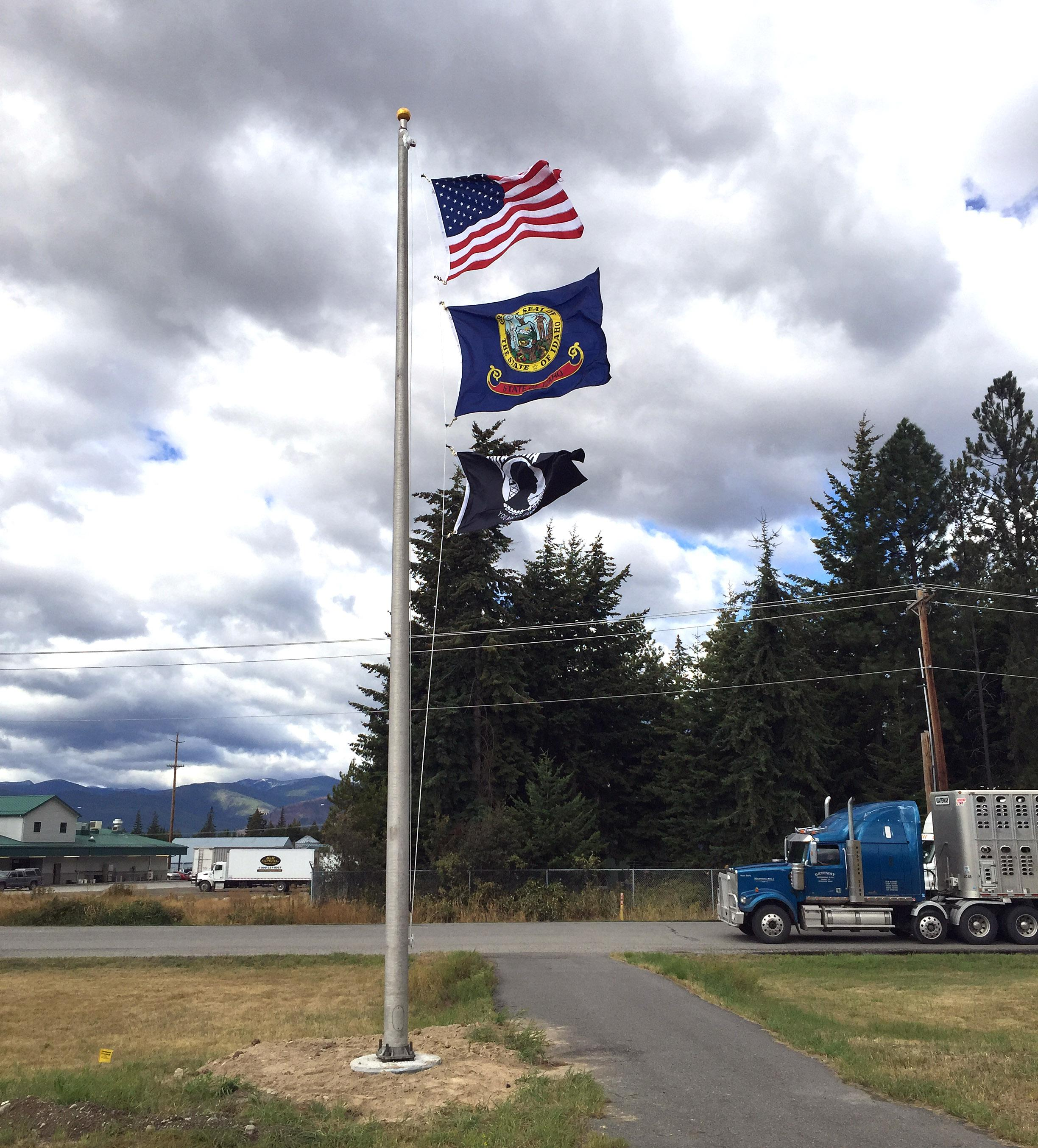 Bonners ferry has new flagpole at canadian border the spokesman since the establishment of the bonners ferry port of entry more than two decades ago sciox Image collections