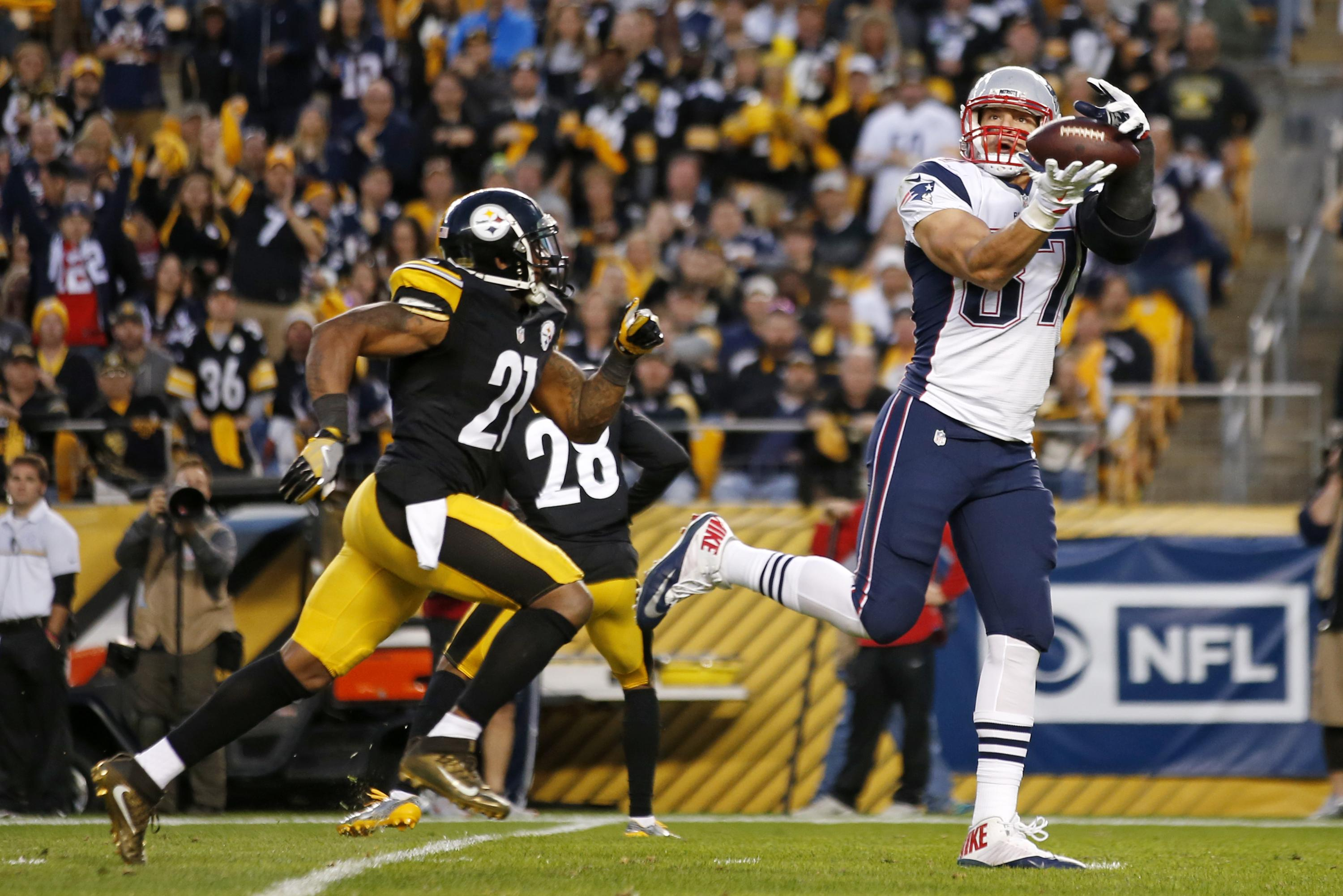 3b4bbb6bec4 Patriots  Rob Gronkowski to undergo back surgery Friday