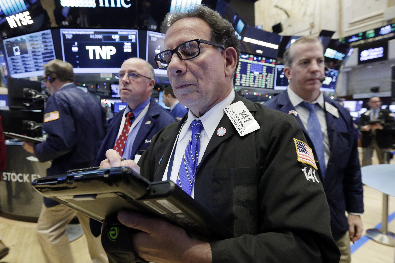 Dow nears 20,000 as familiar tech and retail names climb