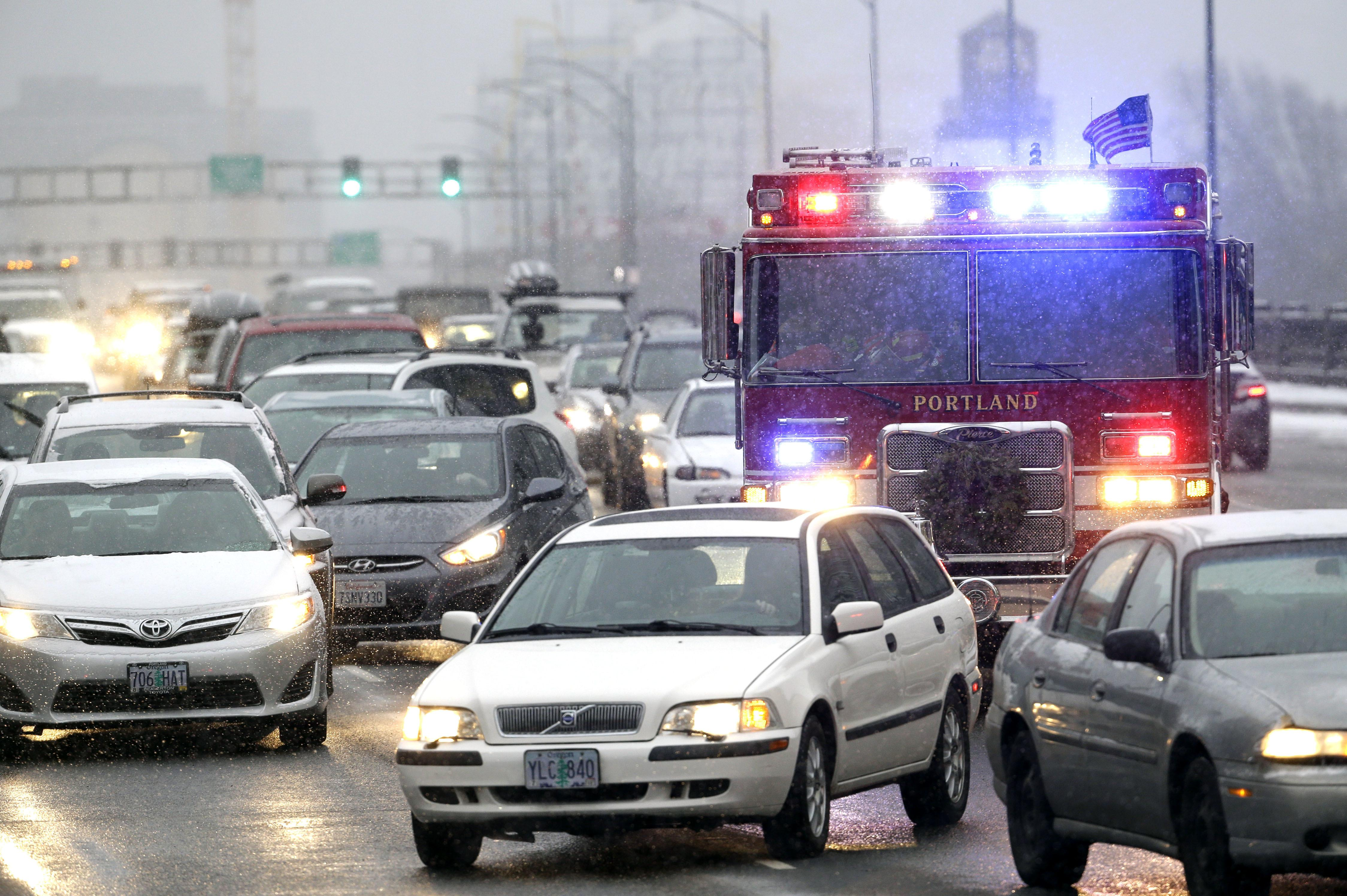 Winter storm brings Portland to a halt | The Spokesman-Review