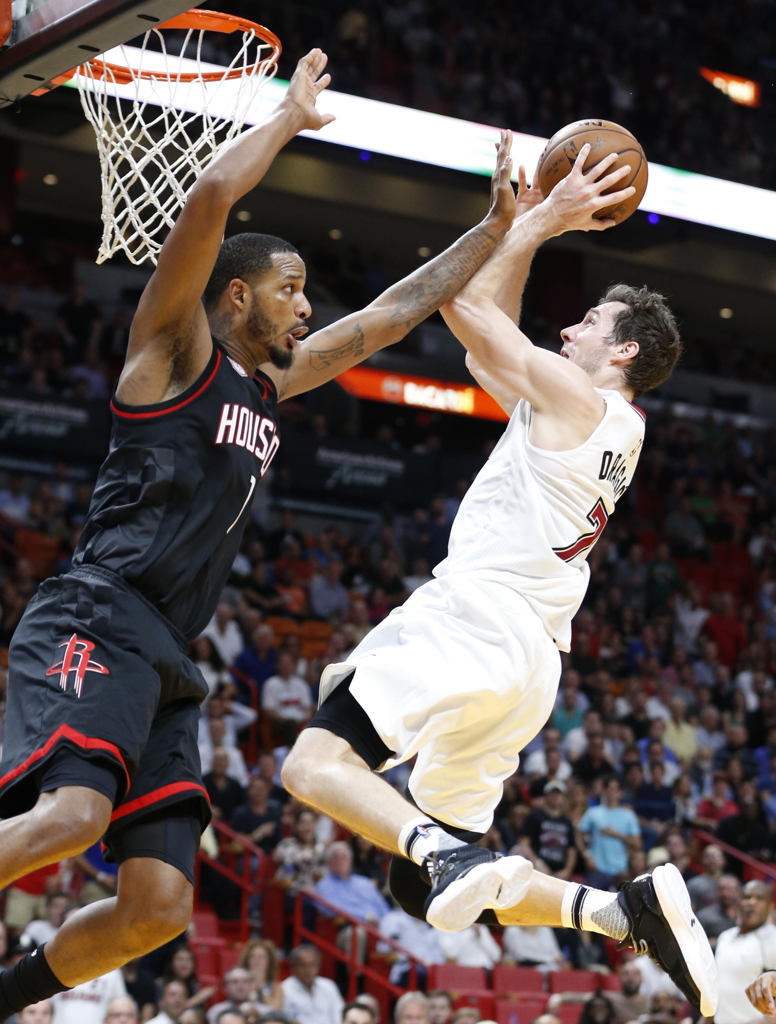 ca5737a39c80 NBA roundup  Goran Dragic leads Heat to upset over Rockets