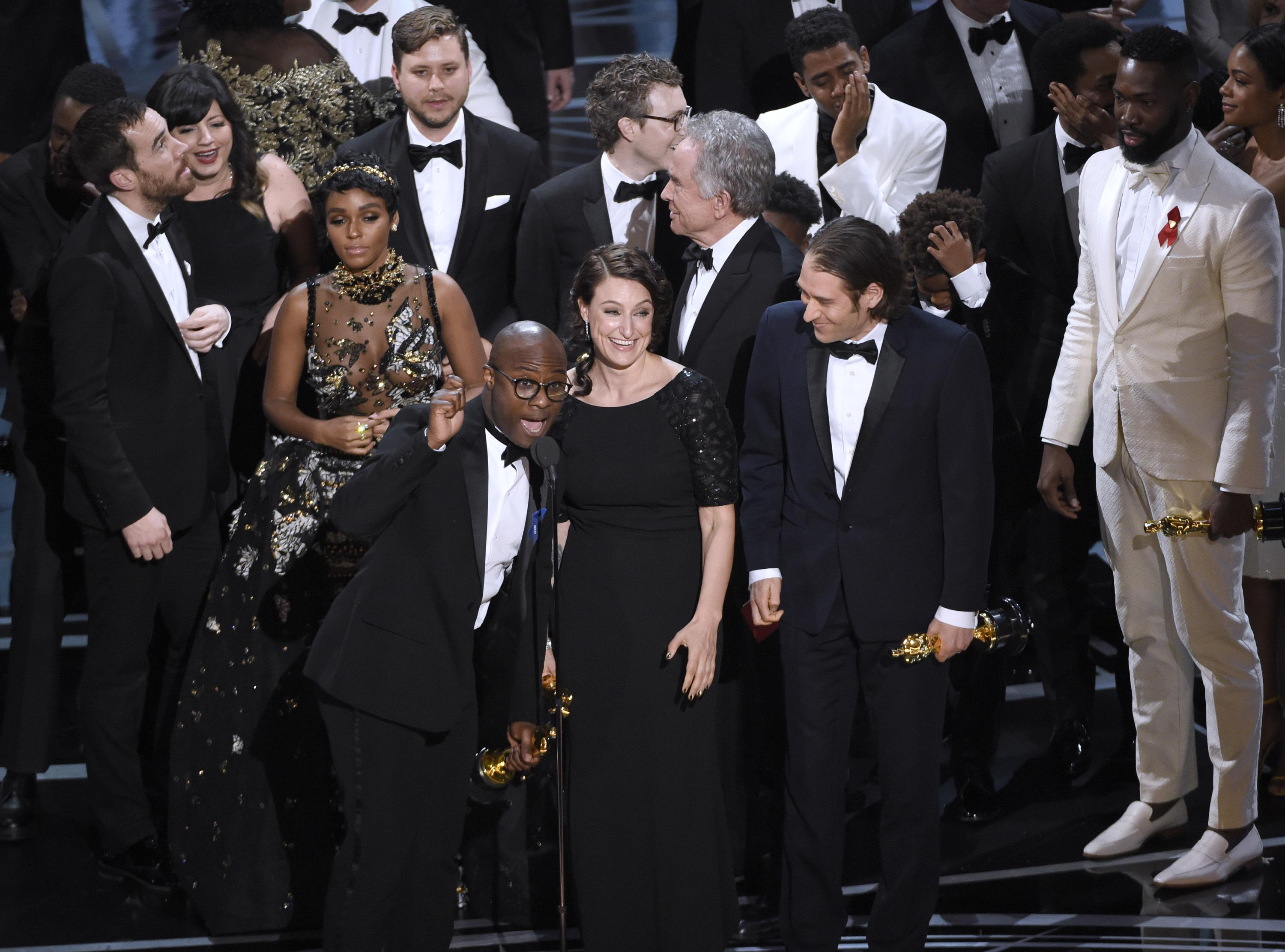Moonlight' eclipses 'La La Land' for best picture at Academy Awards