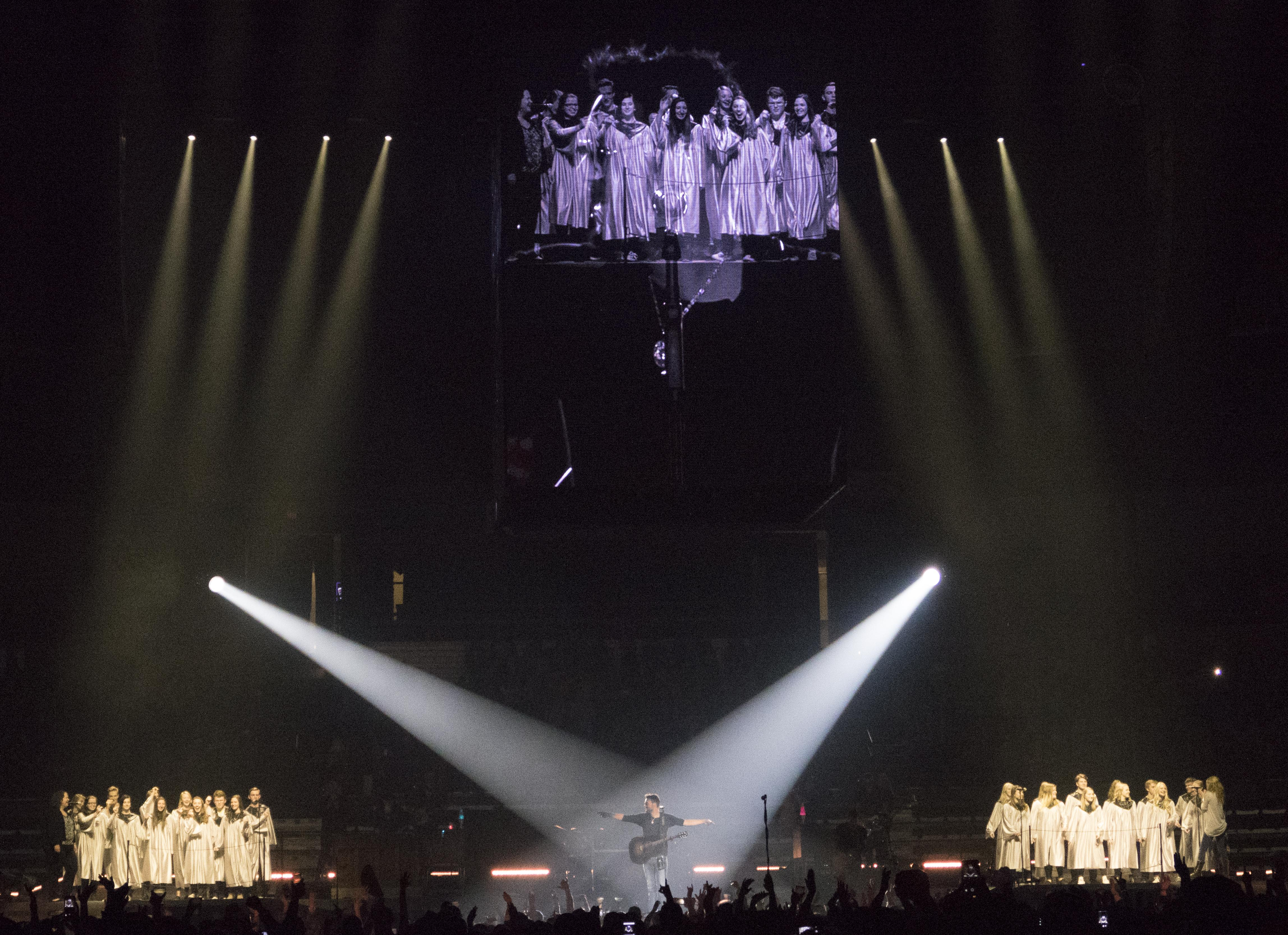 East Valley choir joined Eric Church on stage during Spokane concert | The Spokesman-Review & East Valley choir joined Eric Church on stage during Spokane concert ...
