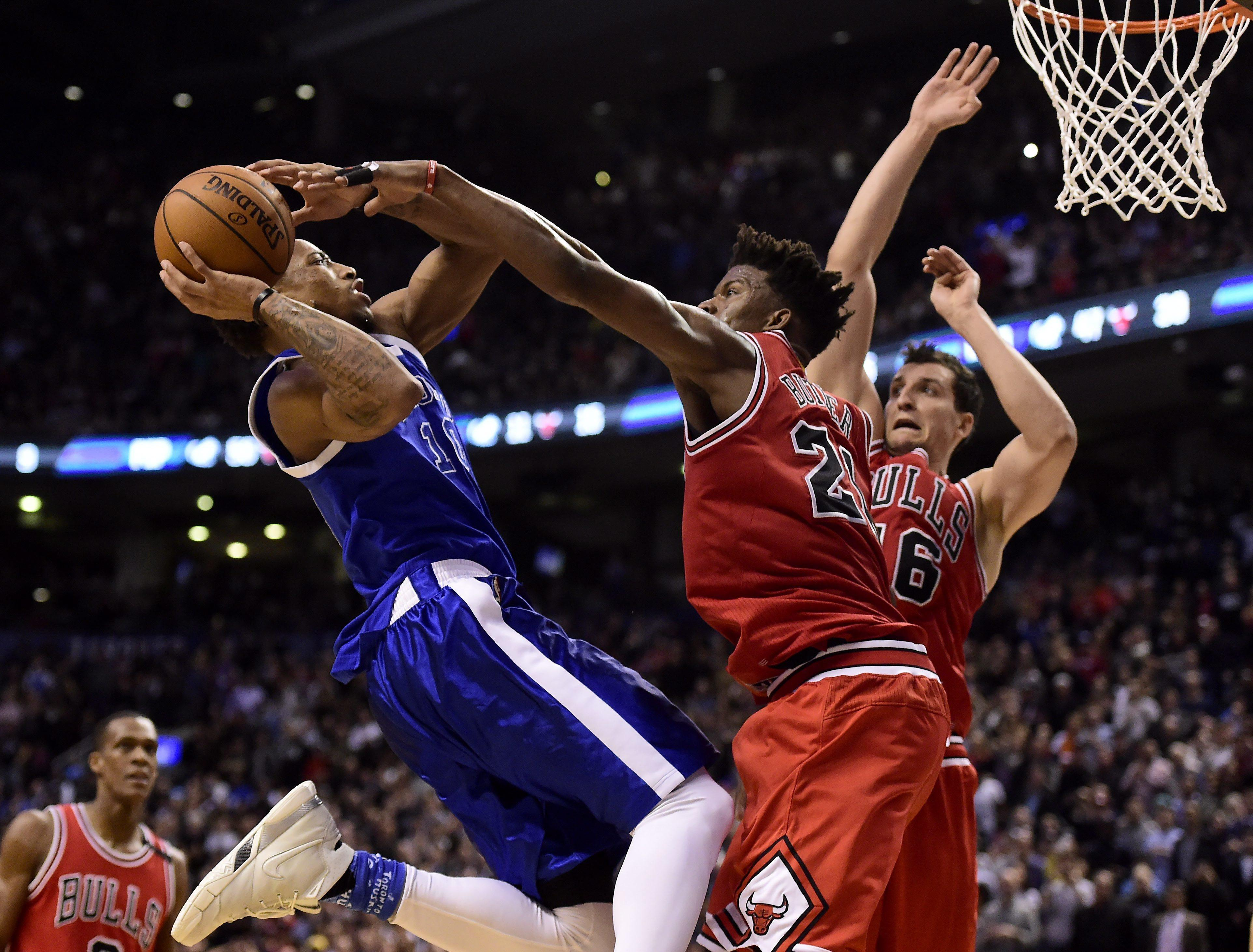 b01130ecae0f Toronto Raptors guard DeMar DeRozan (10) drives to the net to set up  teammate