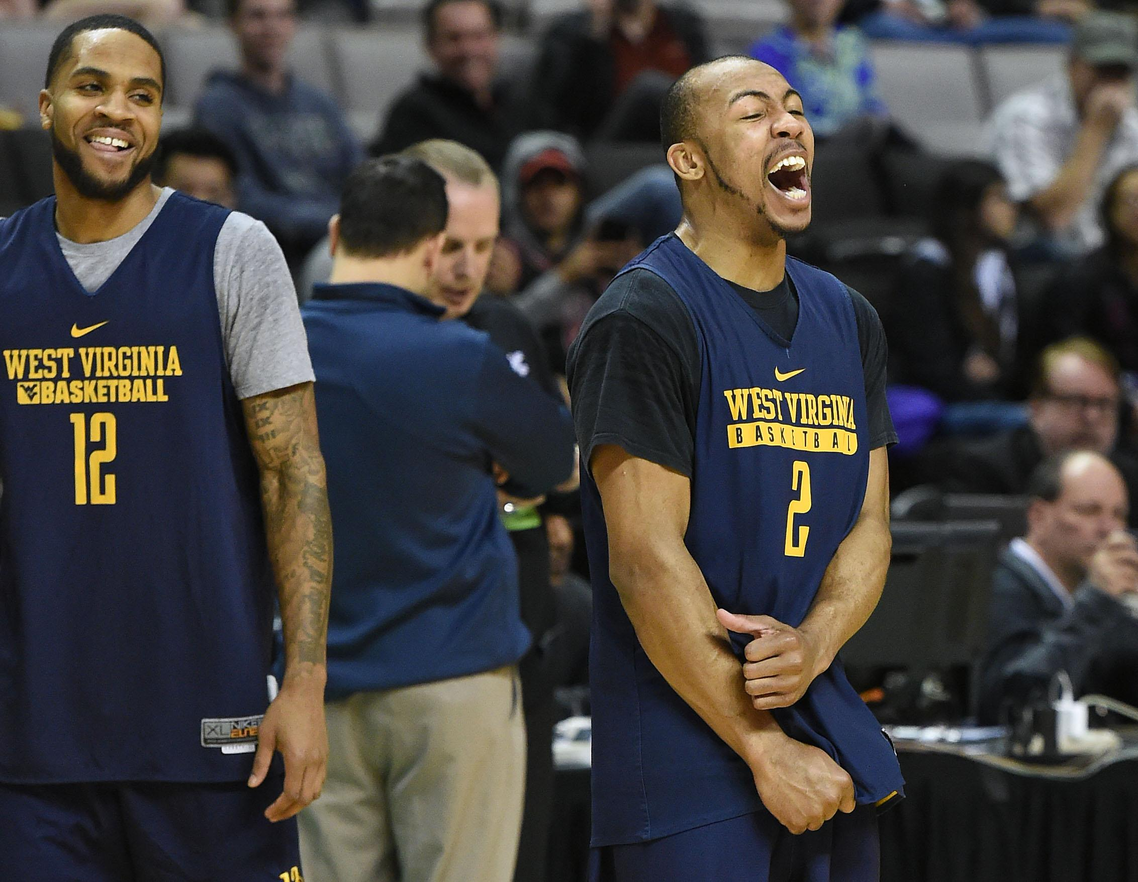 West Virginia loses to Gonzaga, Twitter jokes hit nothing but net