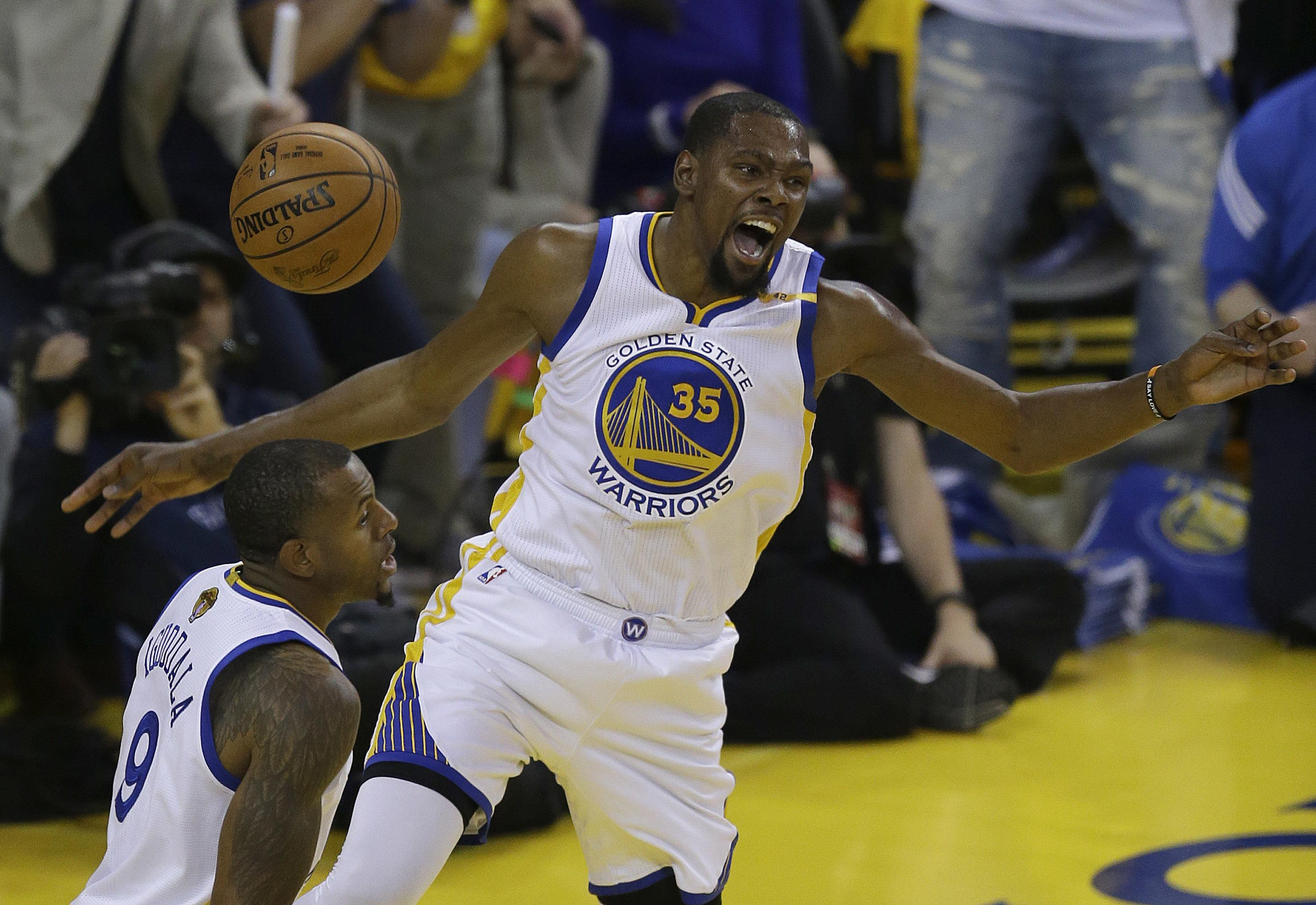 Stephen Curry Kevin Durant Power Warriors Past Cavs In Game 1 113