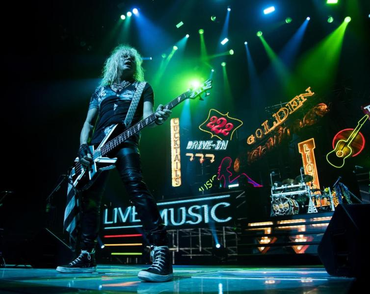review cindy rocks out with def leppard poison tesla the spokesman review. Black Bedroom Furniture Sets. Home Design Ideas