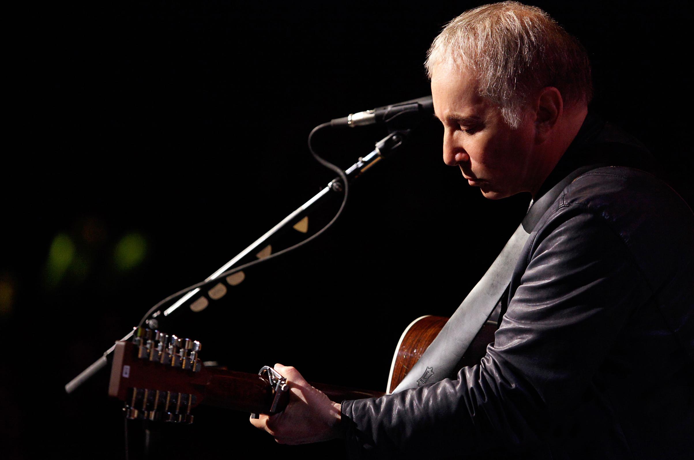 Paul Simons Solo Career In 12 Songs A Concert Playlist The