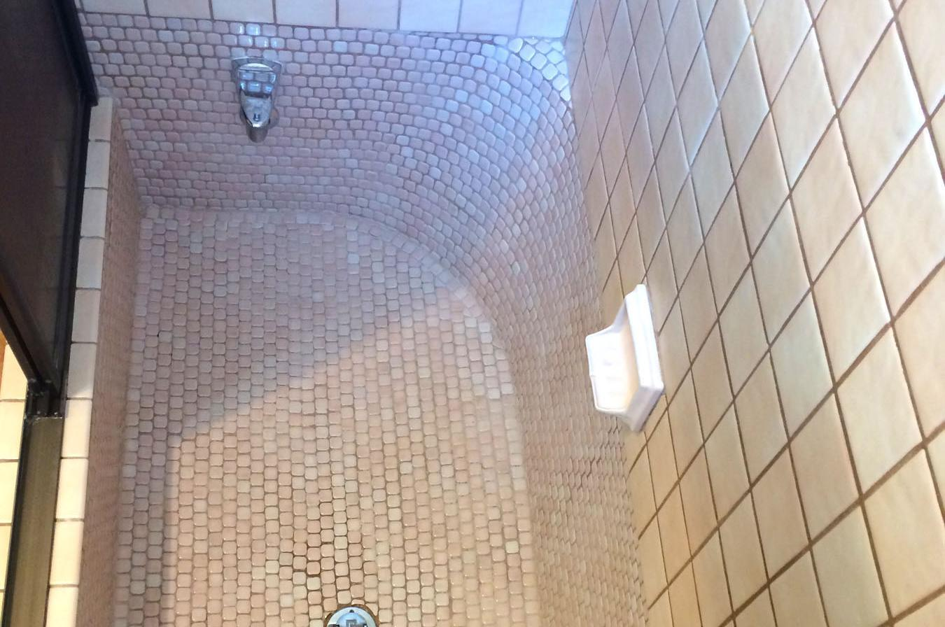 Ask the Builder: Deteriorating tub tile grout can be repaired | The ...
