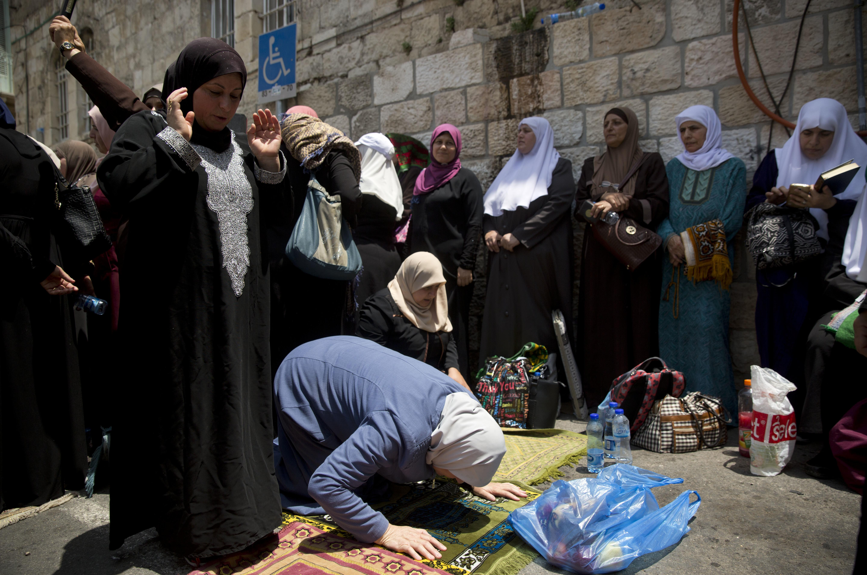 Jew Detector: Jerusalem Palestinians Find Voice Through Prayer Protests