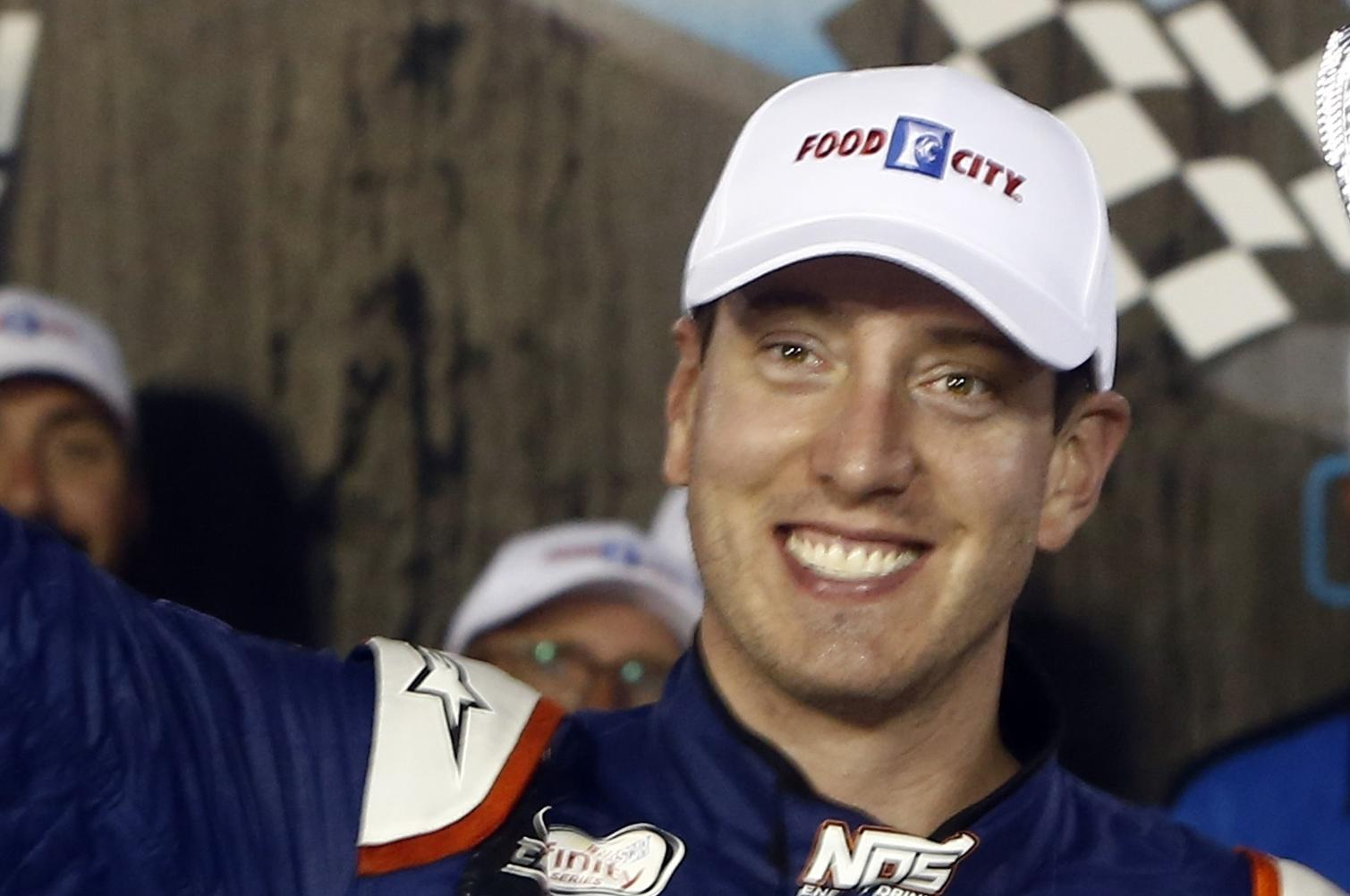 Thomas Toyota Joliet >> Kyle Busch wins playoff pole at Chicagoland Speedway | The Spokesman-Review