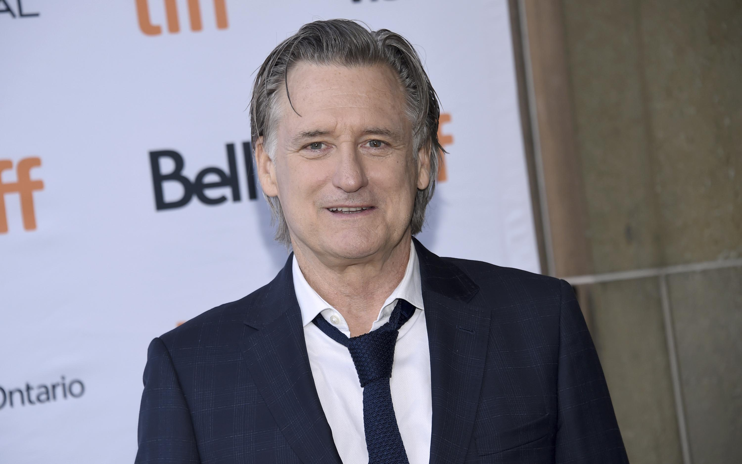 Oops! Actor Bill Pullman accepts, then breaks film award ...