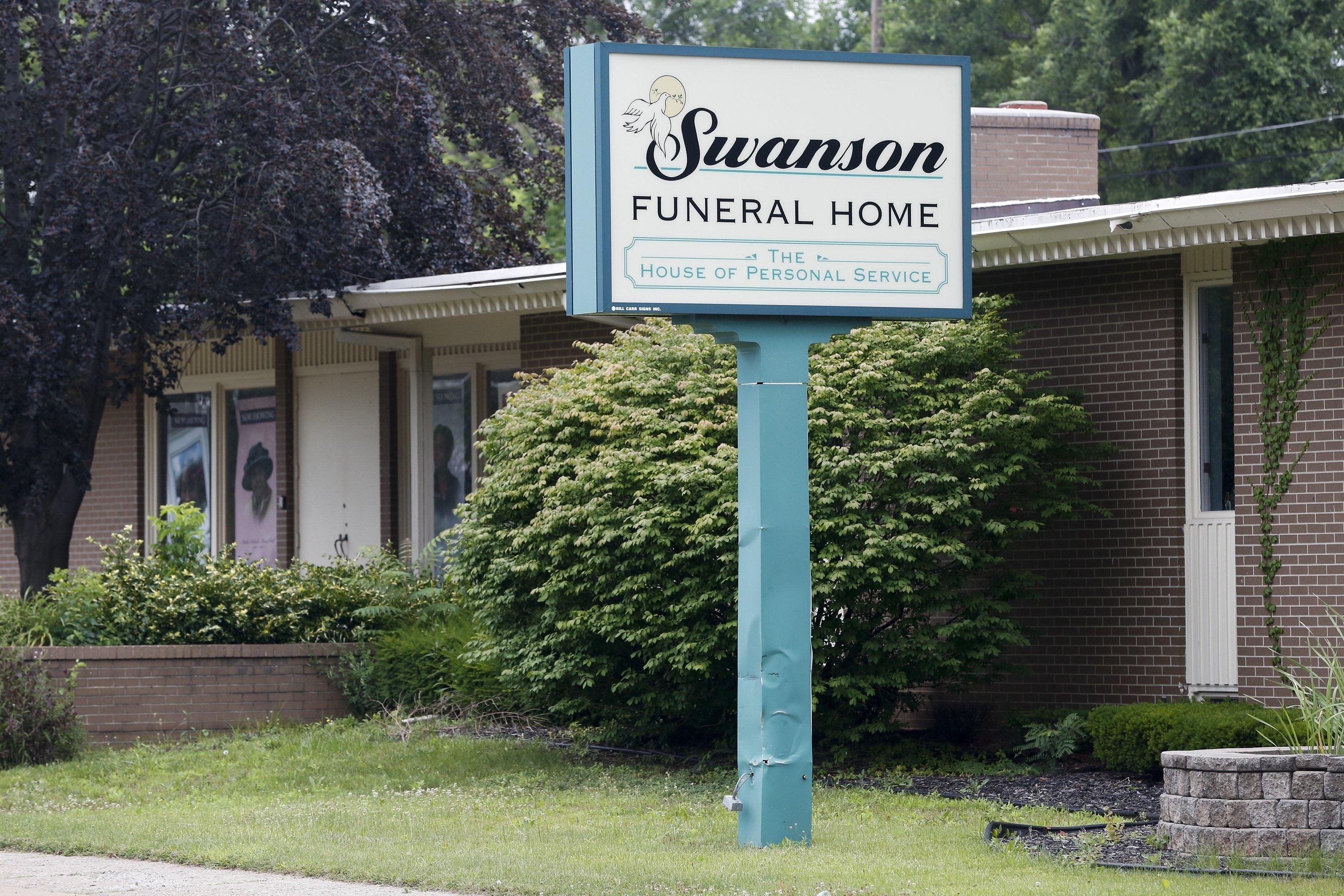 Funeral home horrors put spotlight on spotty US regulations