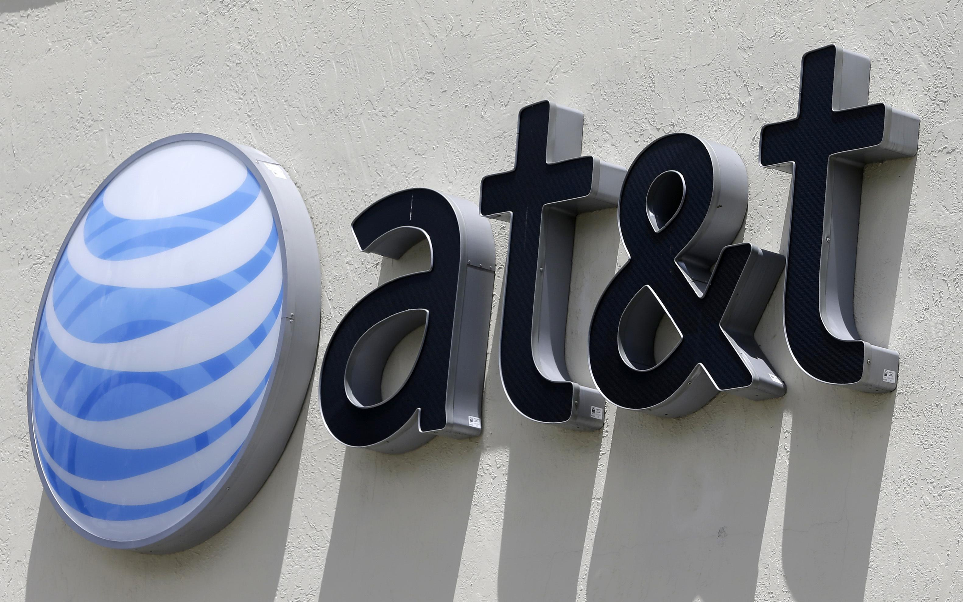 Att Boeing And Wells Fargo Pass Tax Cut Savings To Workers The