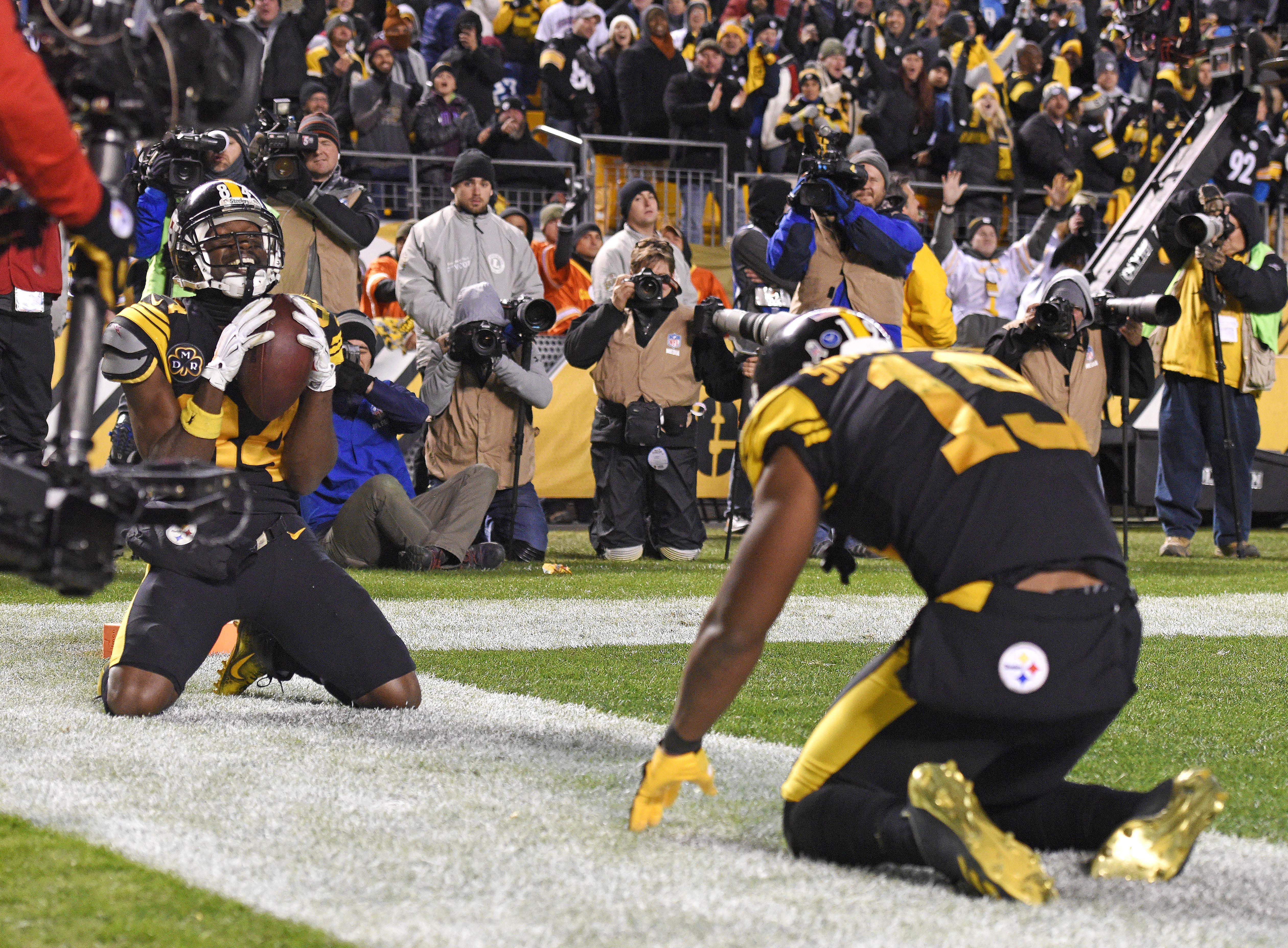 9e8fab5cbfa Pittsburgh Steelers wide receiver Antonio Brown