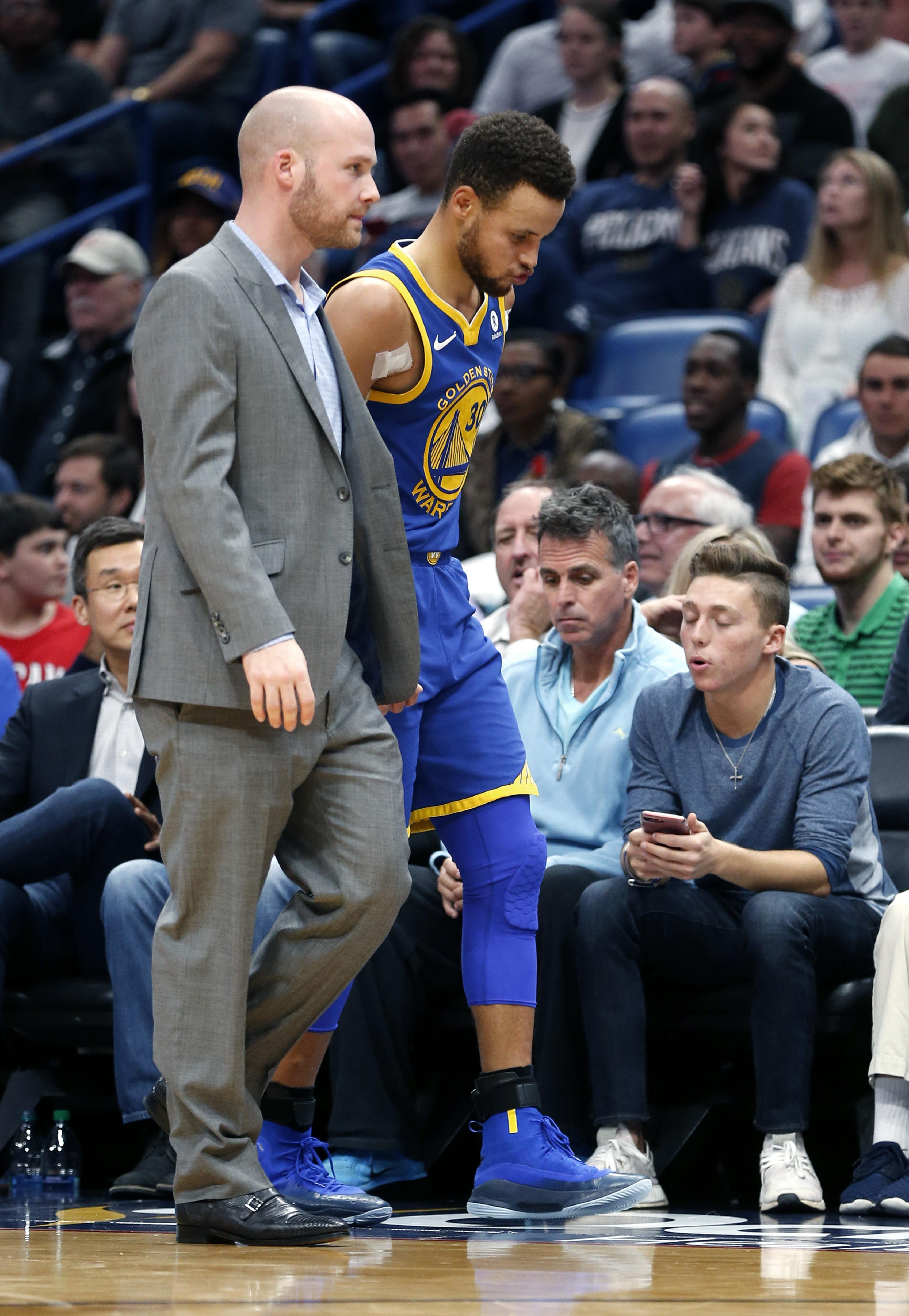34a304d000c Steve Kerr  Stephen Curry injury  a good thing for our team
