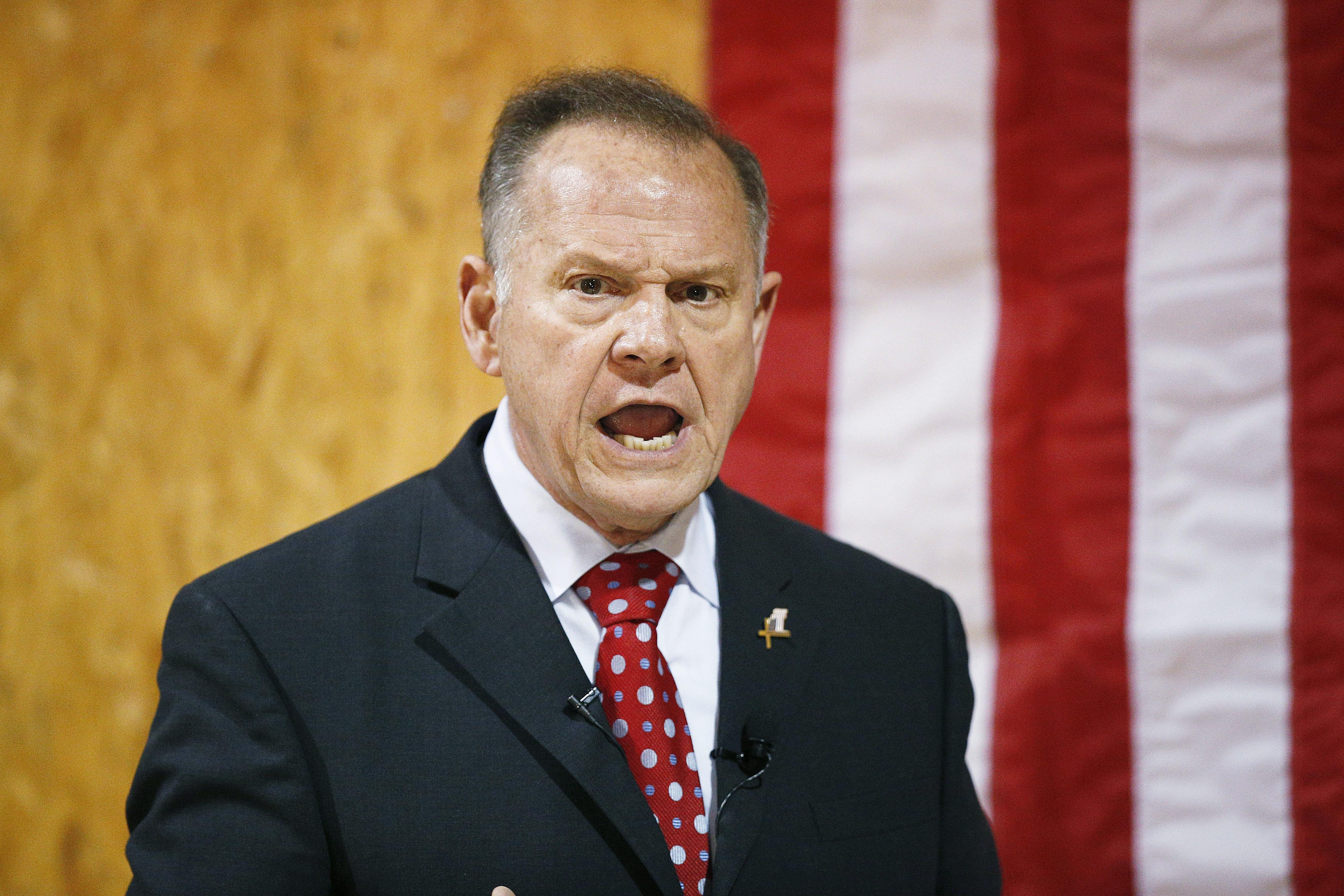 Shelby bucks Alabama GOP leaders in voting against Moore