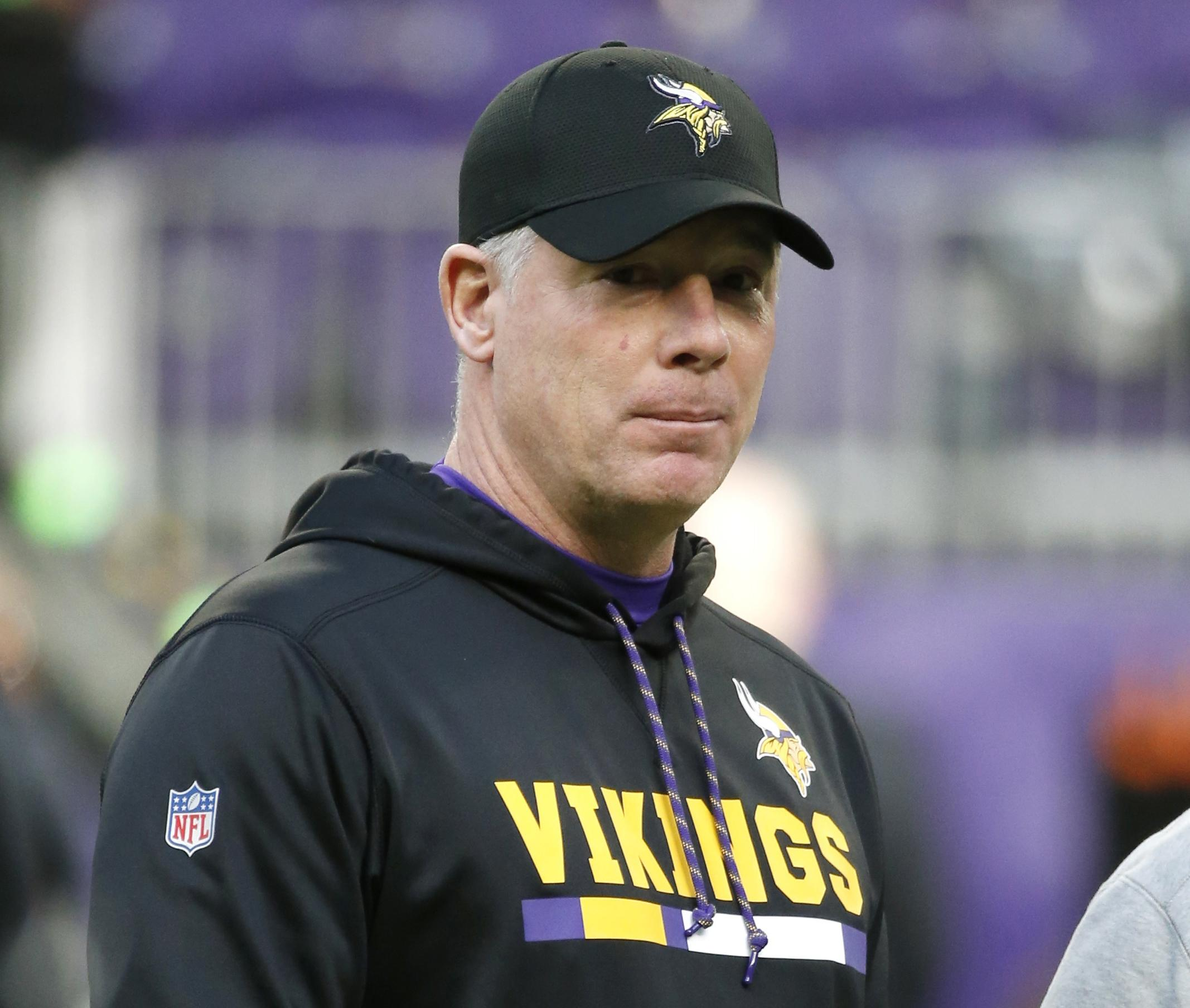 File Former Minnesota Vikings Offensive Coordinator Pat Shurmur Stands On The Field Before An Nfl