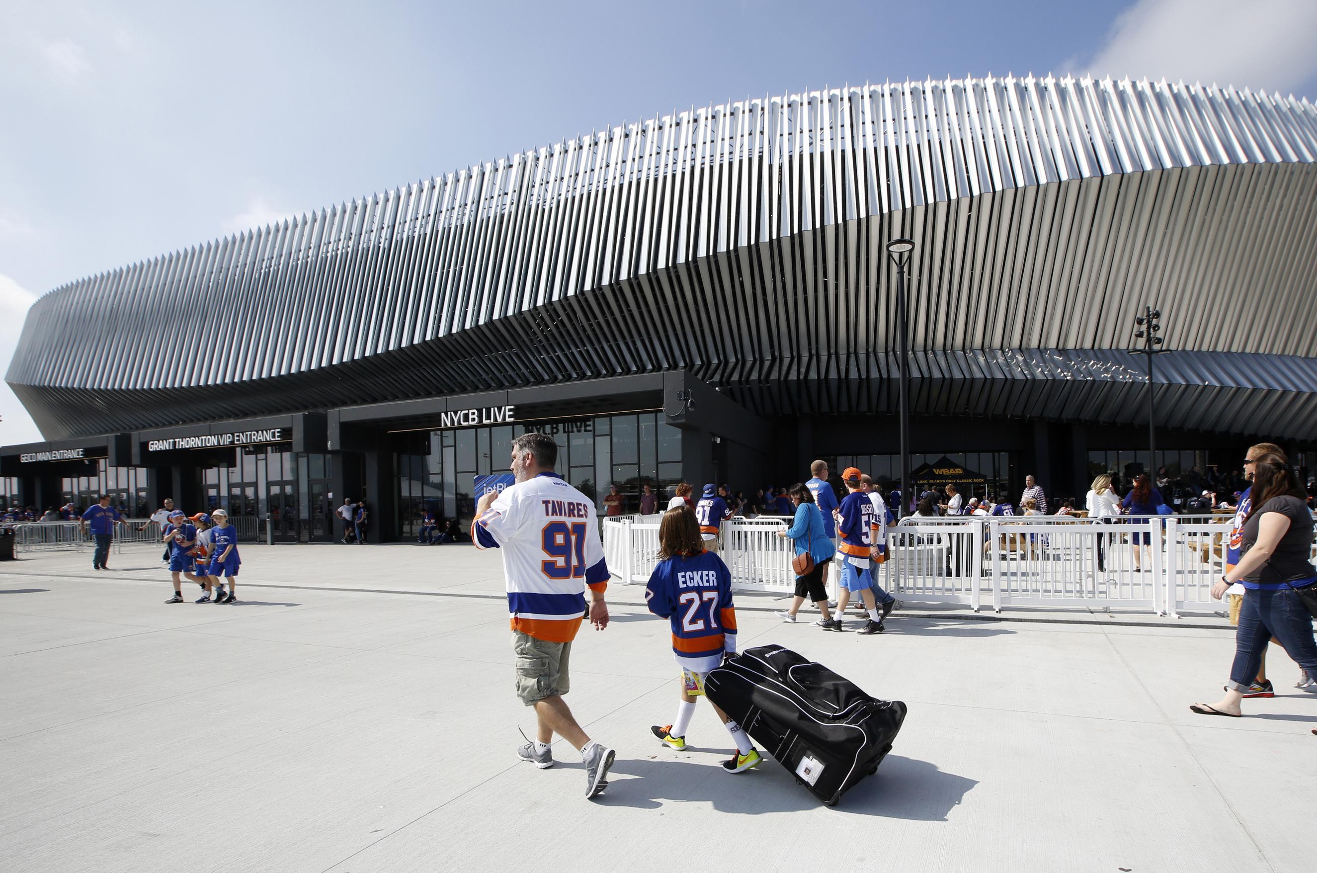 Islanders To Split Games Between Nassau Coliseum Brooklyn