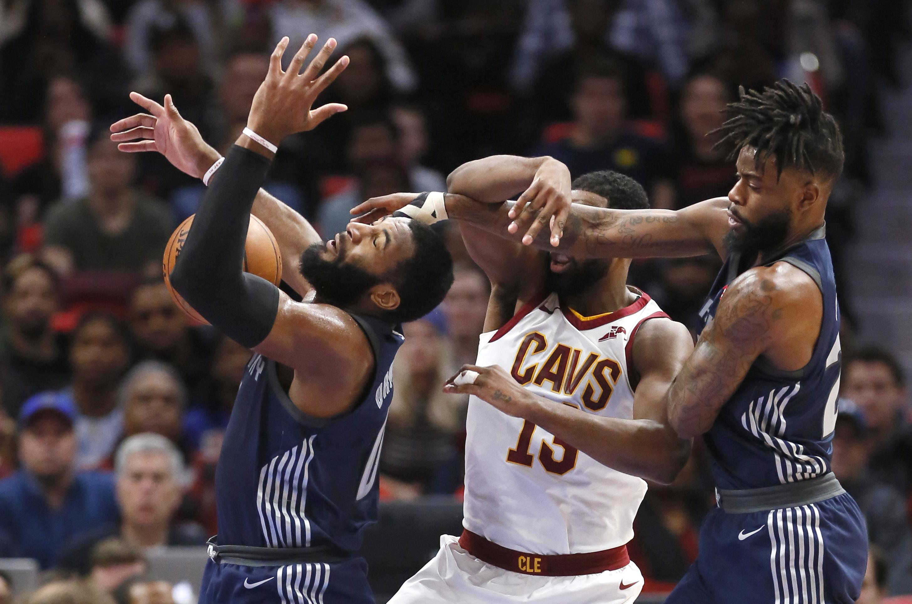 12e142d2c Kevin Love breaks hand in Cavaliers  125-114 loss to Detroit