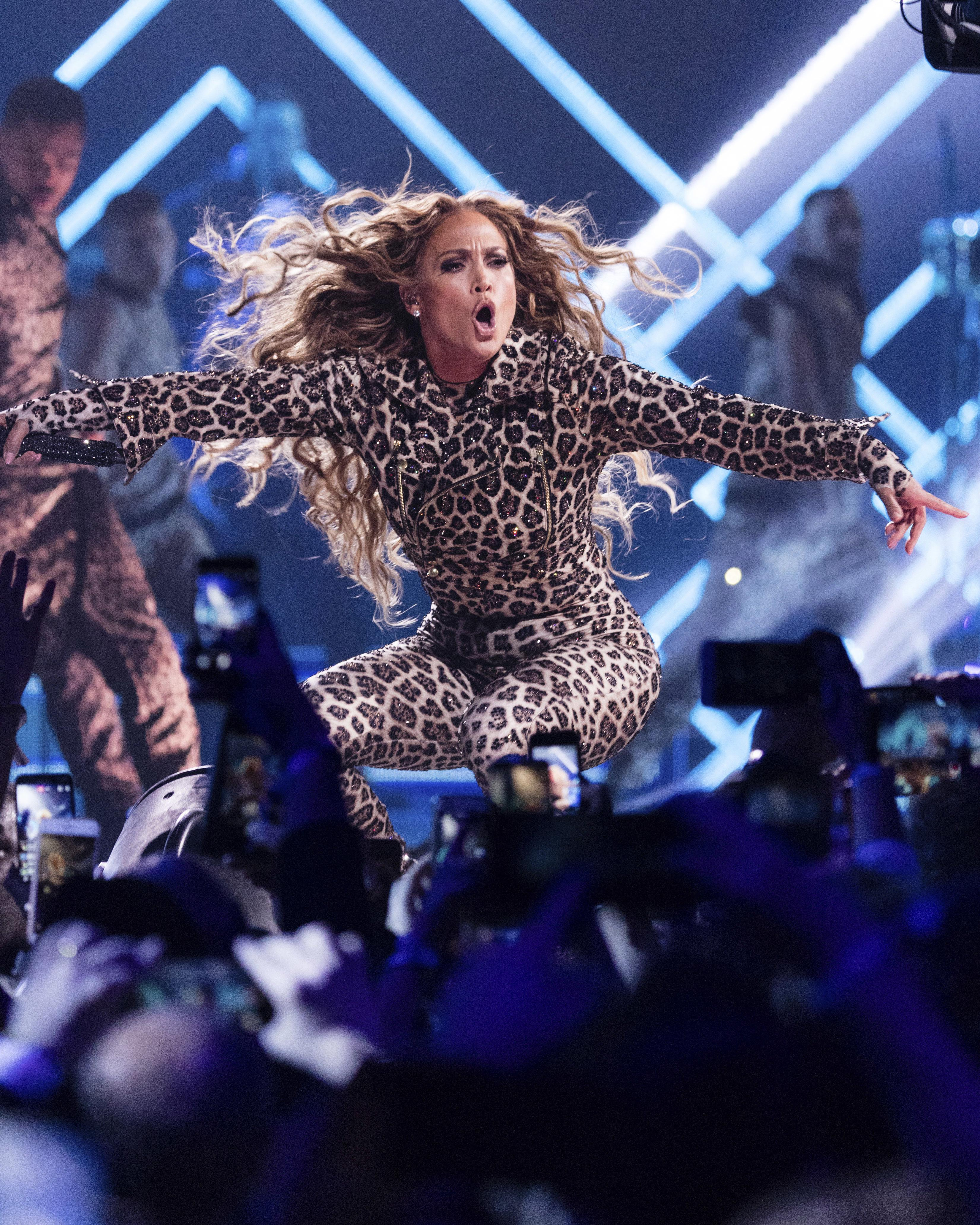 J  Lo shout-outs A-Rod, covers Prince at pre-Super Bowl show