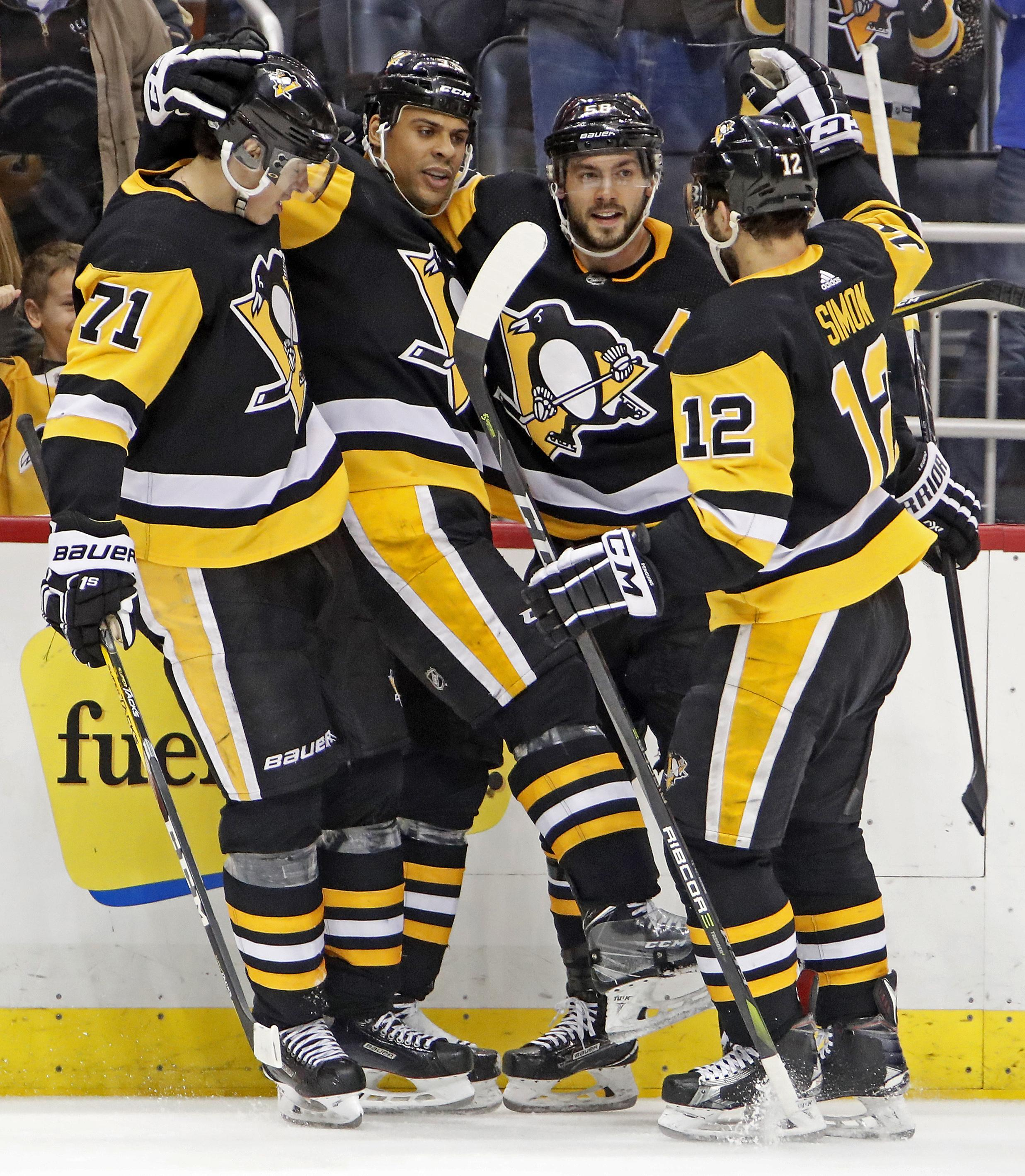 buy popular 51884 9739b NHL capsules: Penguins beat Kings 3-1 for 10th straight home ...