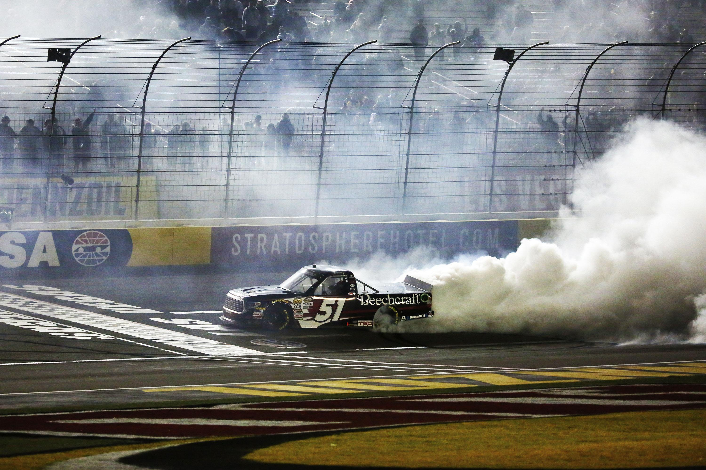 kyle busch wins hometown nascar truck race  las vegas  spokesman review