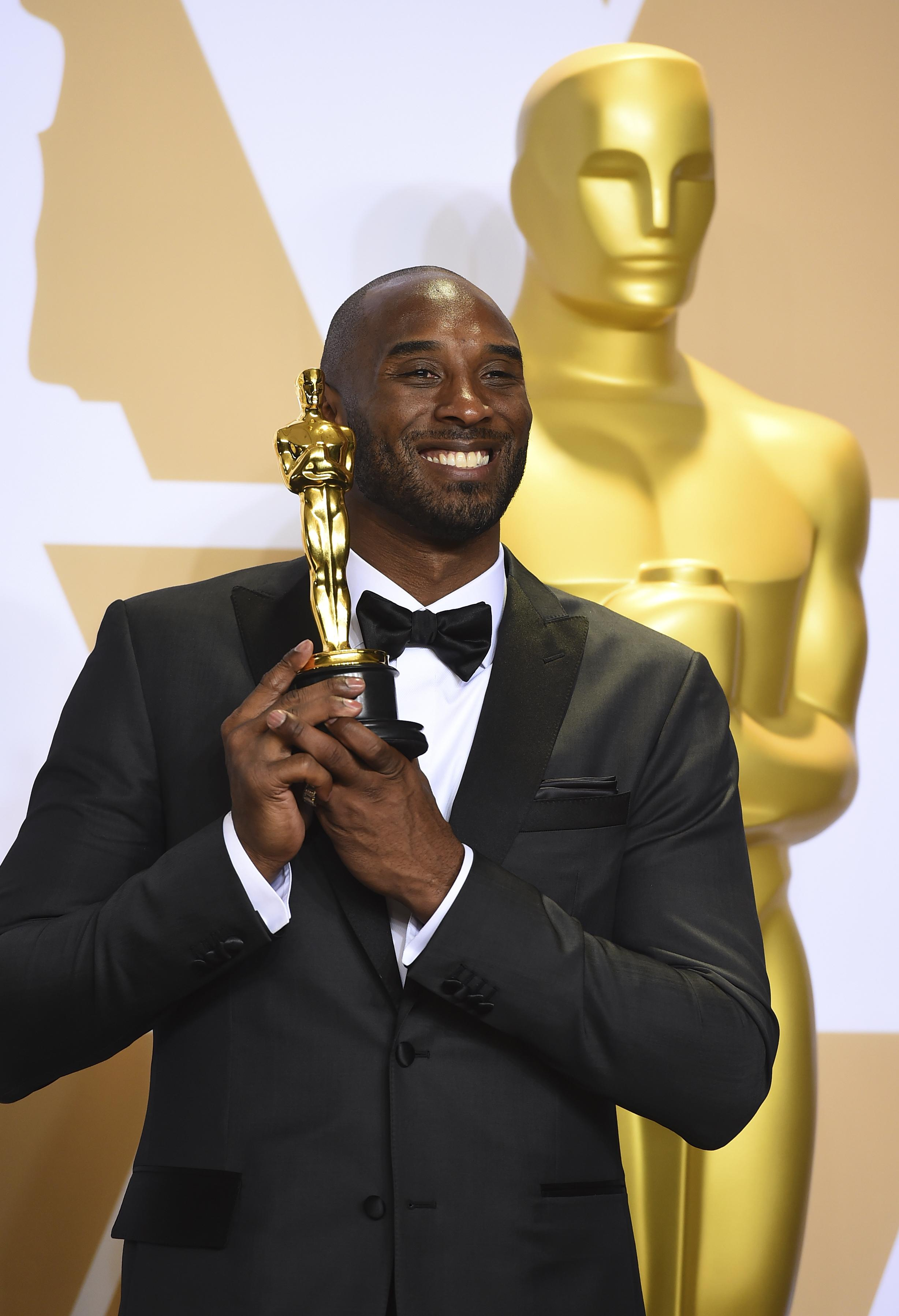 5450829a93ed Former Lakers star Kobe Bryant wins Oscar for animated short