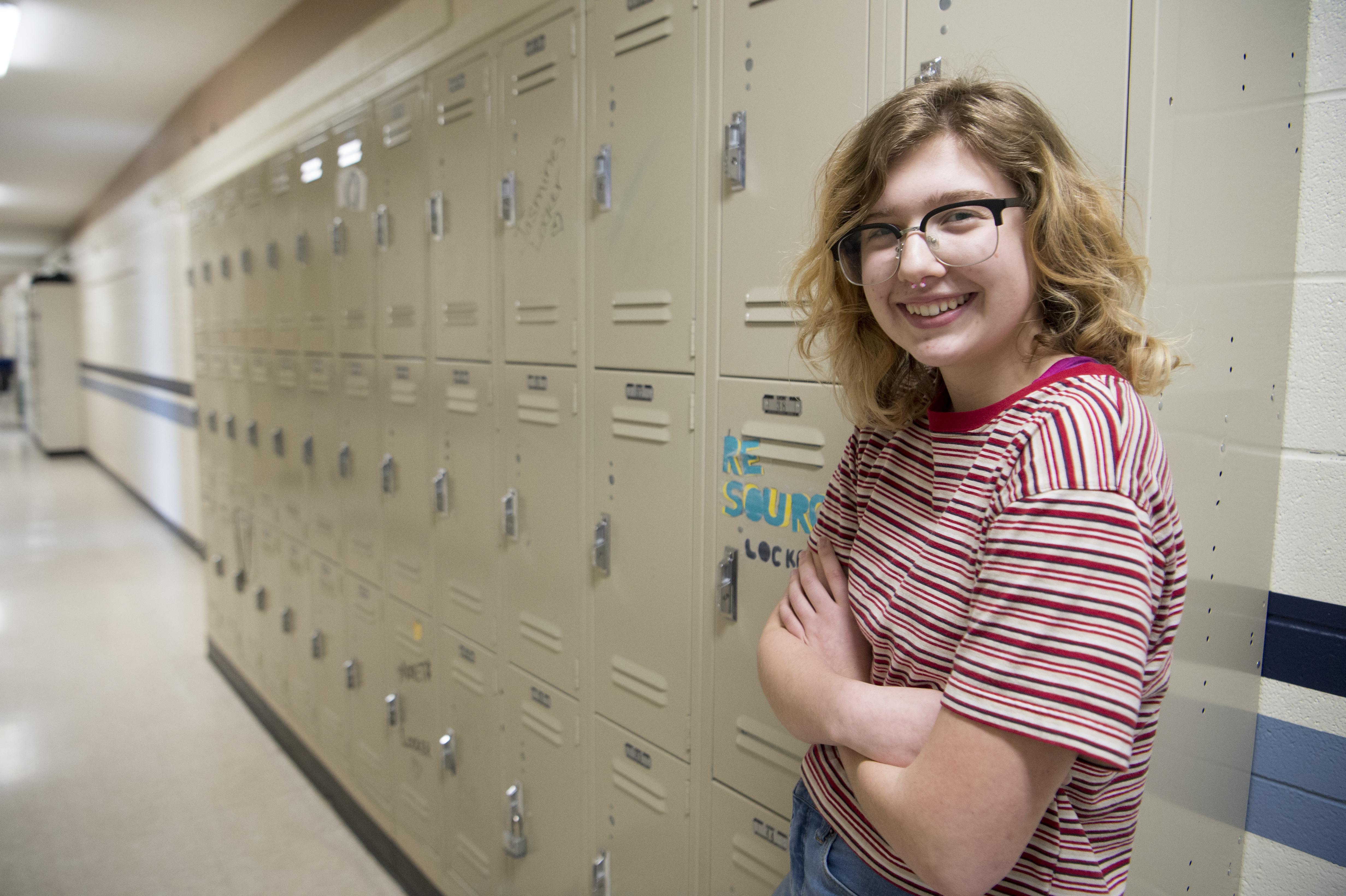 teen-girl-in-locker
