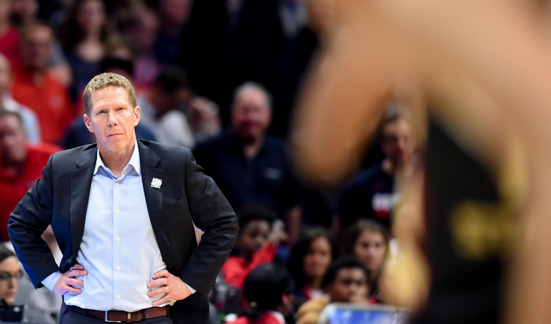 7bfbbd5de45 Gonzaga Bulldogs head coach Mark Few reacts as his team falls behind  Florida State during the