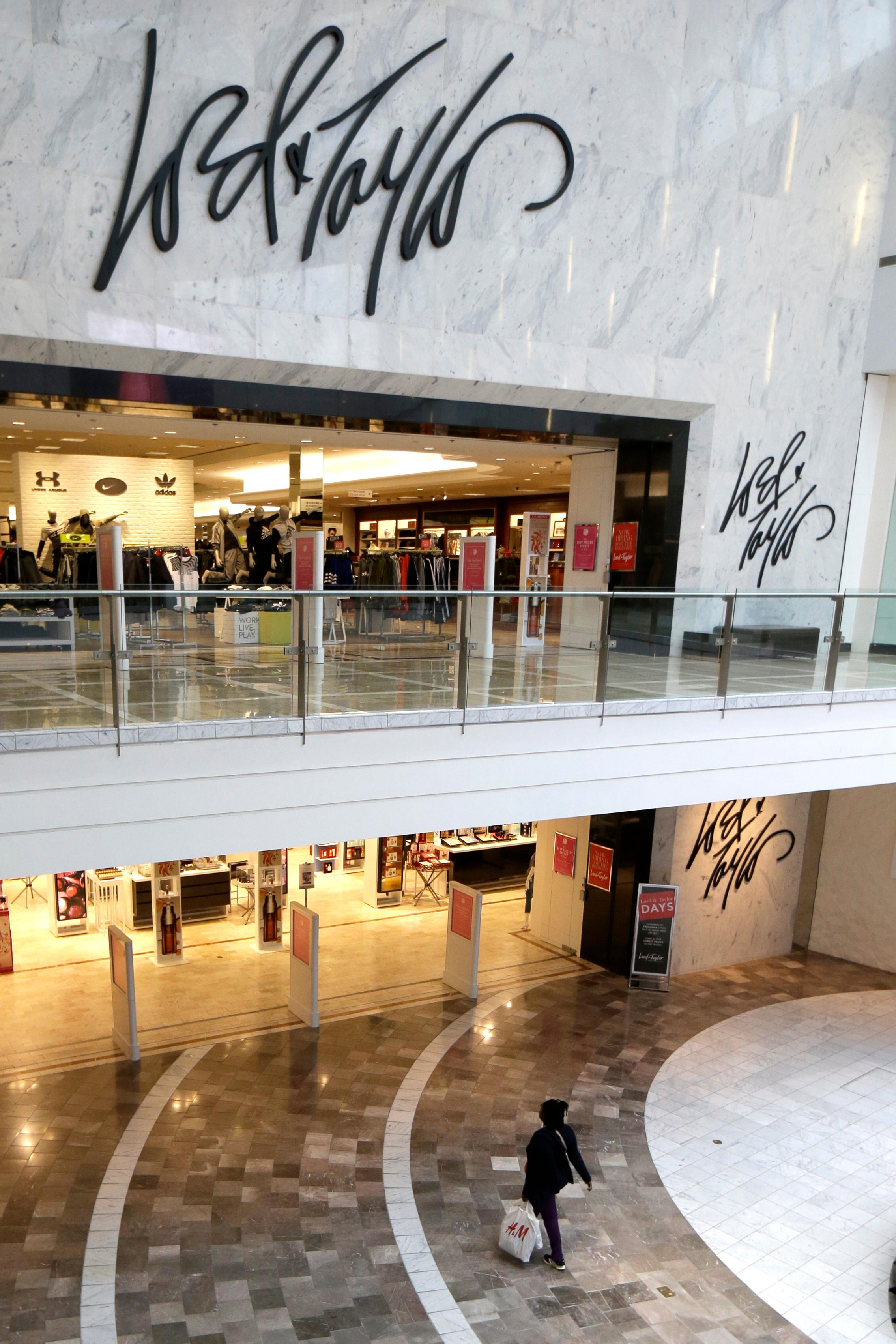 84cf39889d1f Data breach hits Saks Fifth Avenue, Lord & Taylor stores | The ...
