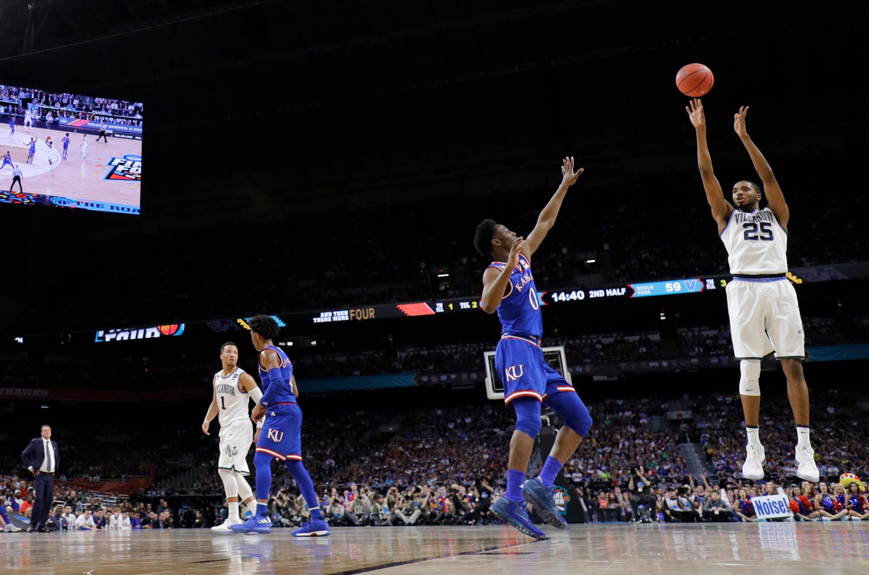 From Humble Beginnings 3 Point Shot Now The Key To A Title Hand Grip Kansa Busa Villanovas Mikal Bridges 25 Shoots Basket Against Kansas During