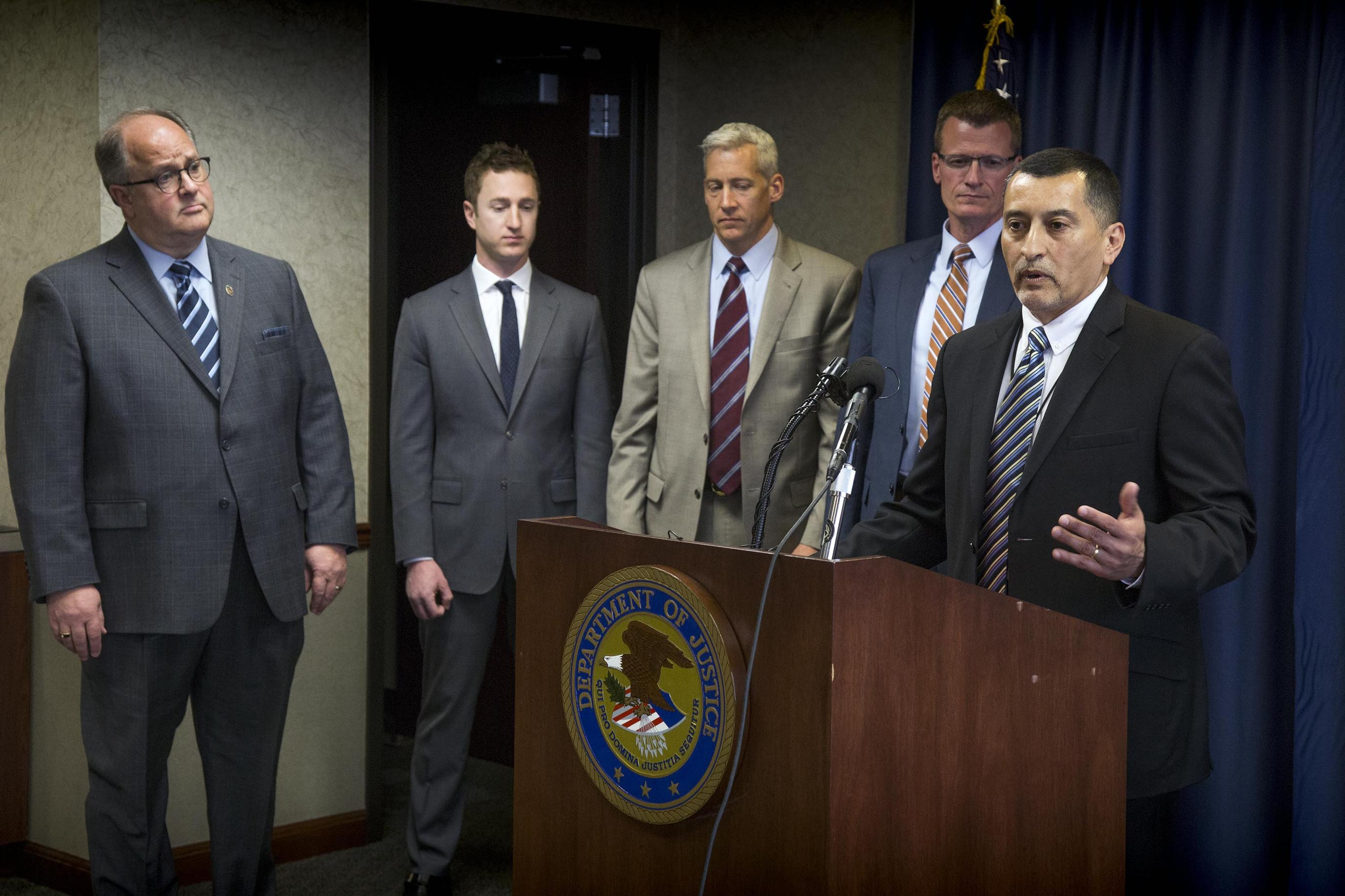 Idaho prison officers, others indicted in contraband case | The