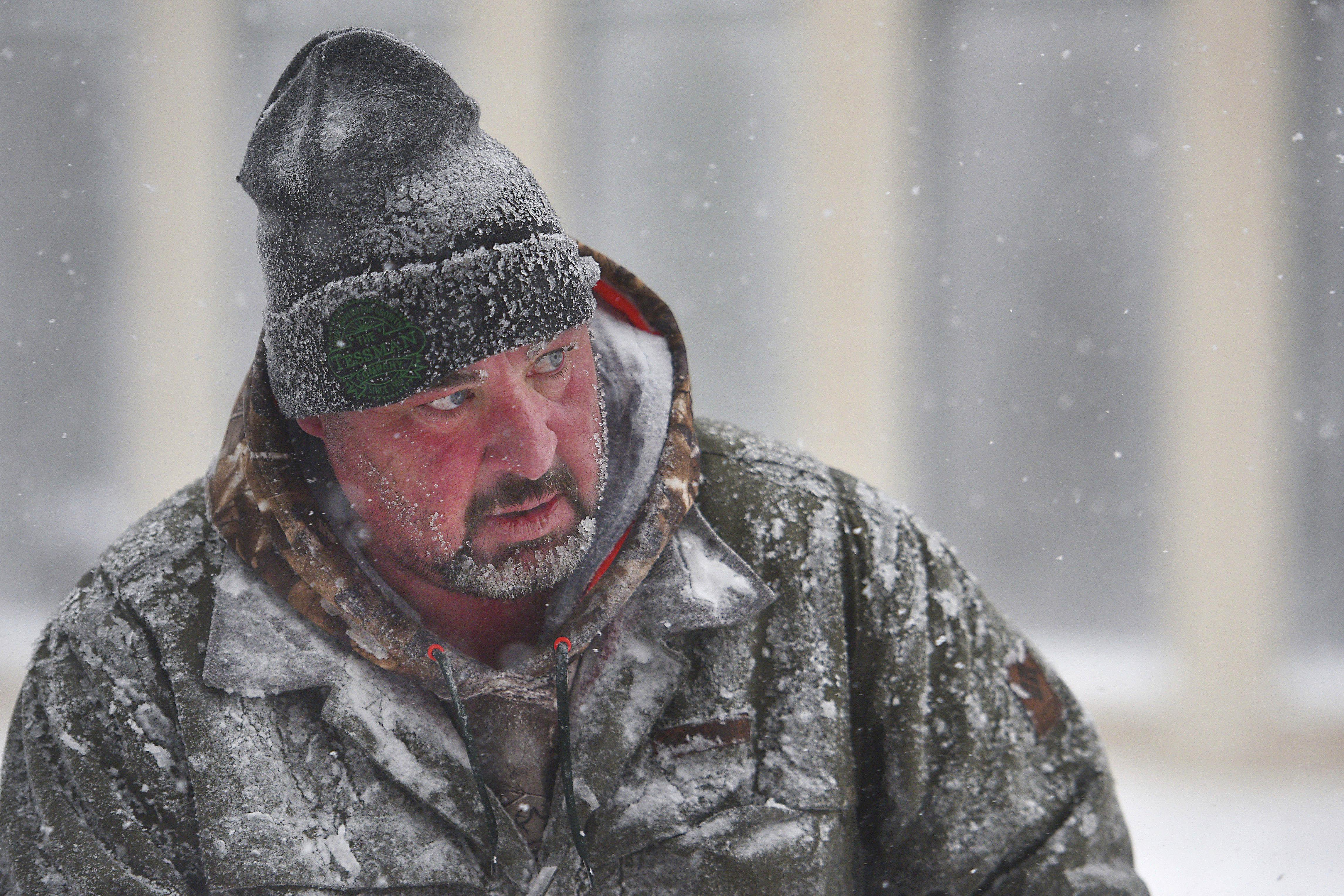 Storm blasts central U S  with snow, ice and wind, killing 3 | The