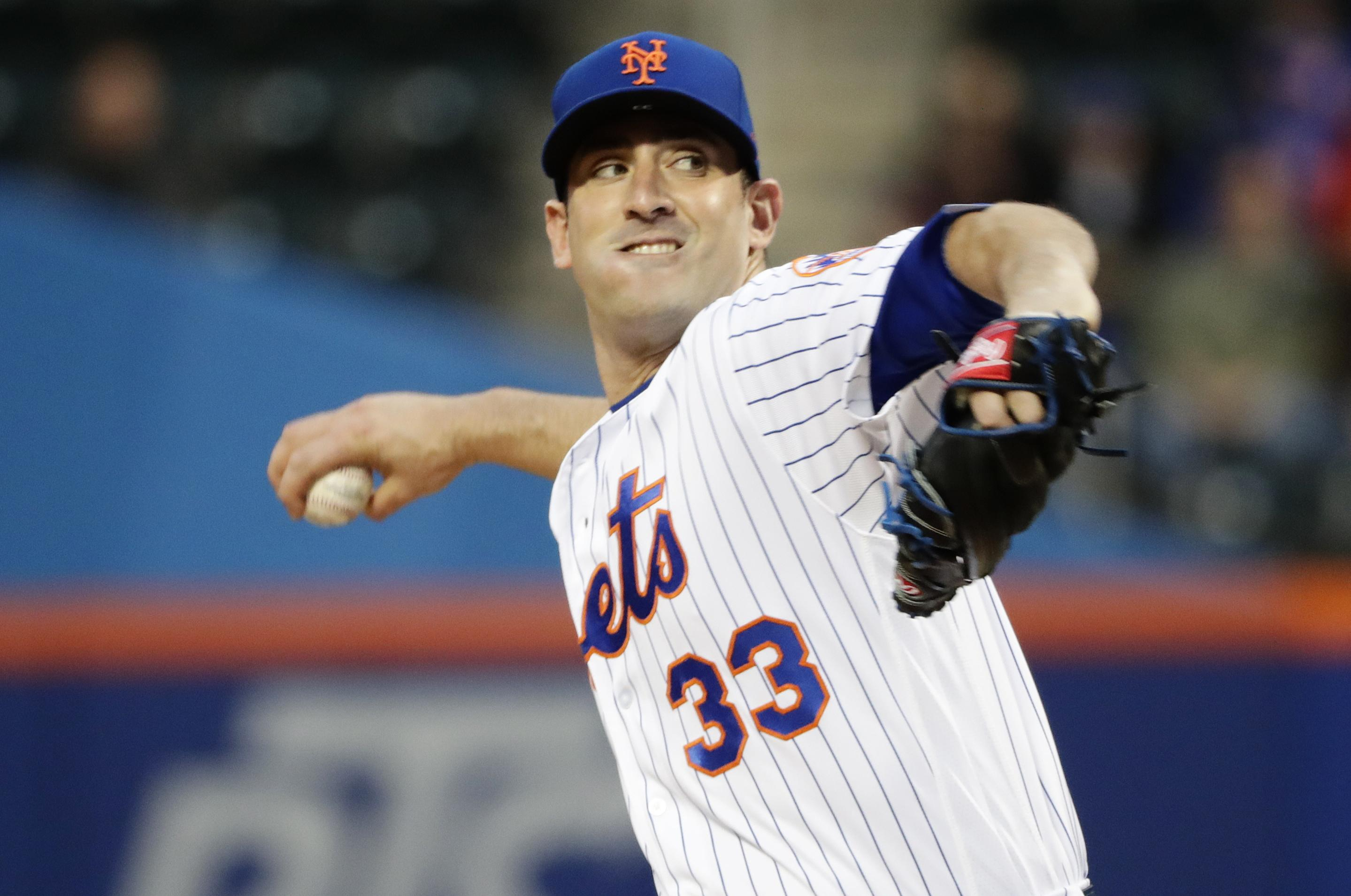 f38800638ad New York Mets  Matt Harvey (33) delivers a pitch during the first inning