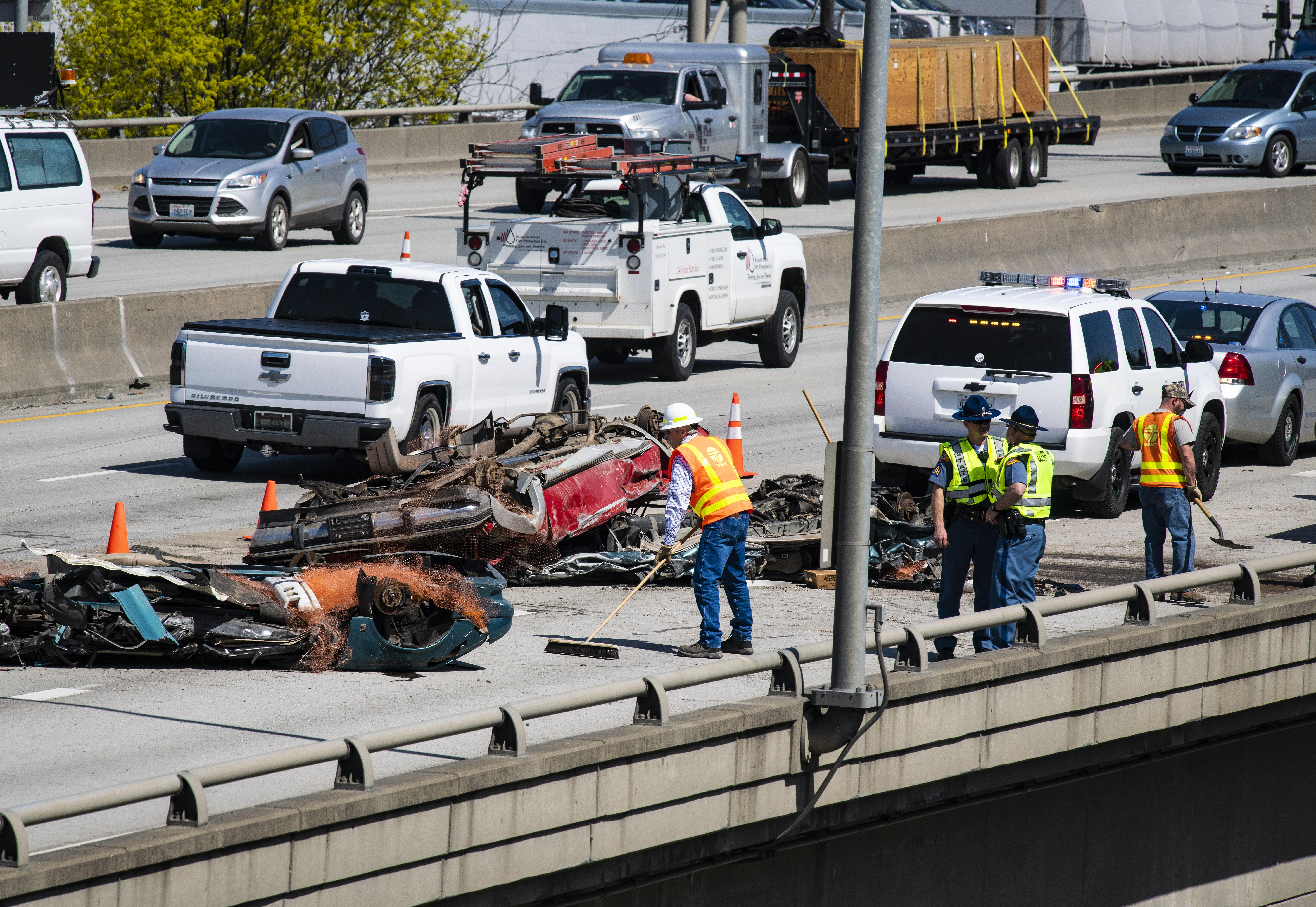 Multiple-vehicle collision snarls traffic on Interstate 90 downtown ...