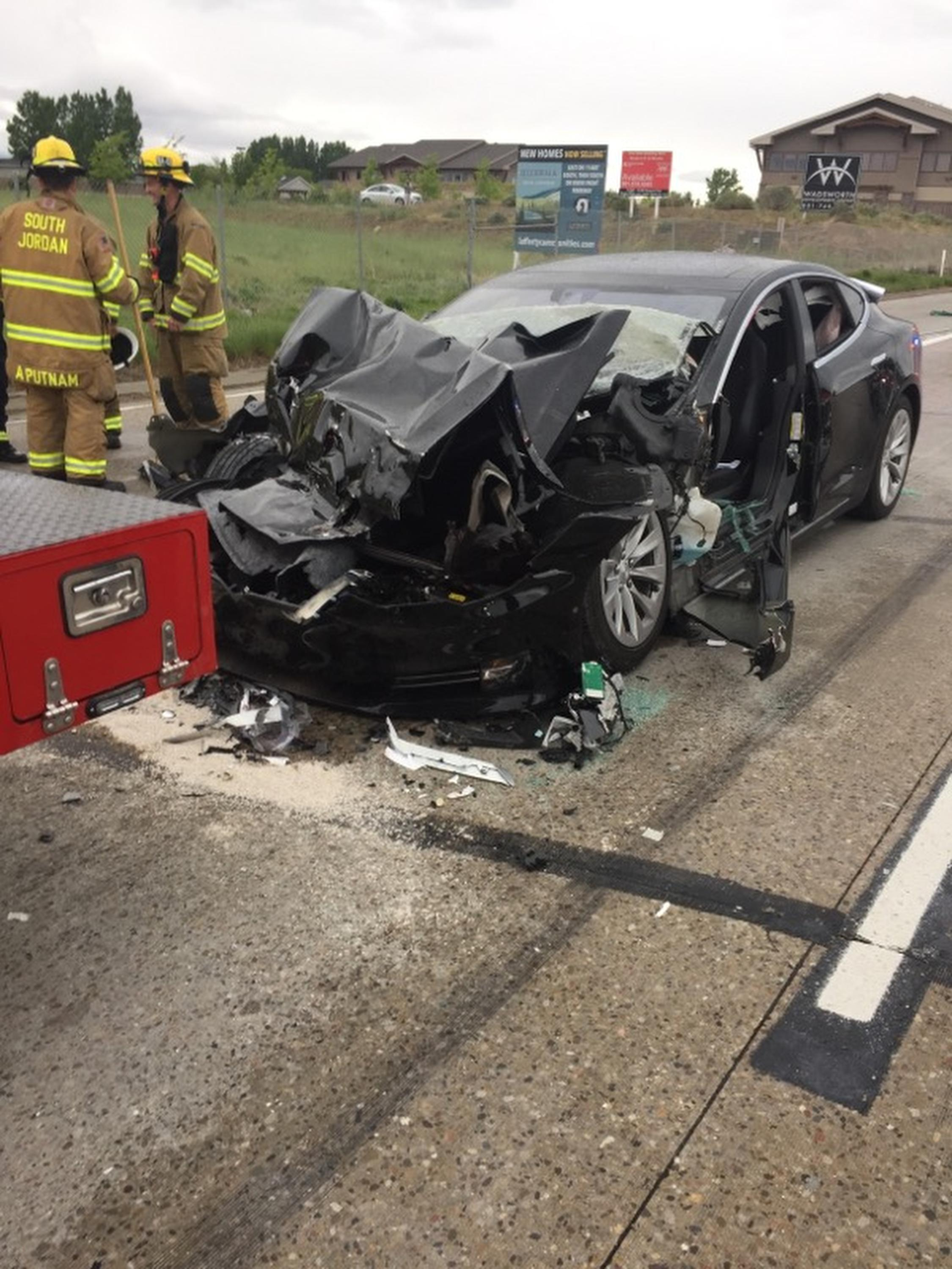 Tesla in Autopilot mode sped up before Utah crash | The