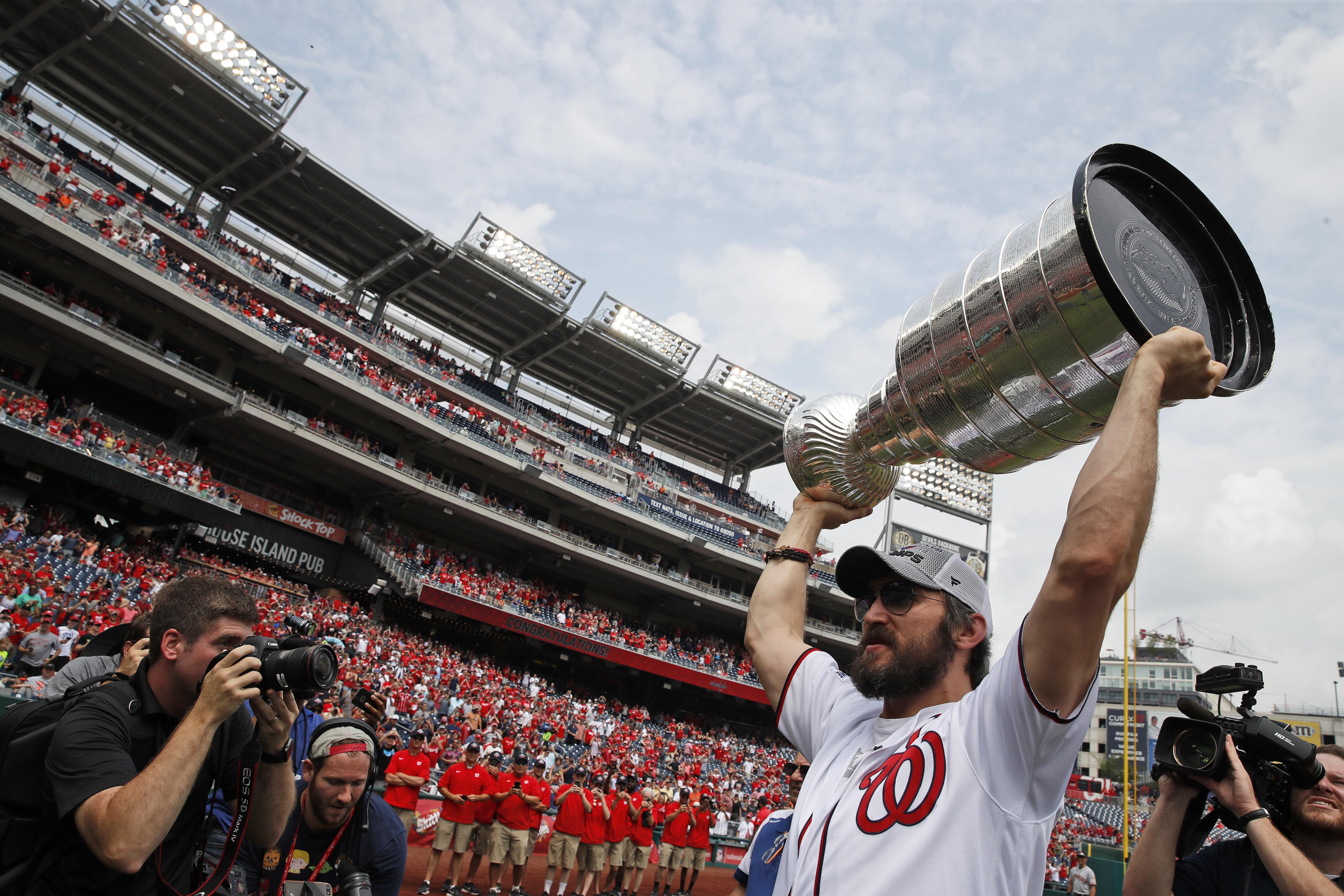 658eddc1621 Stanley Cup party rolls on for first-time champion Capitals