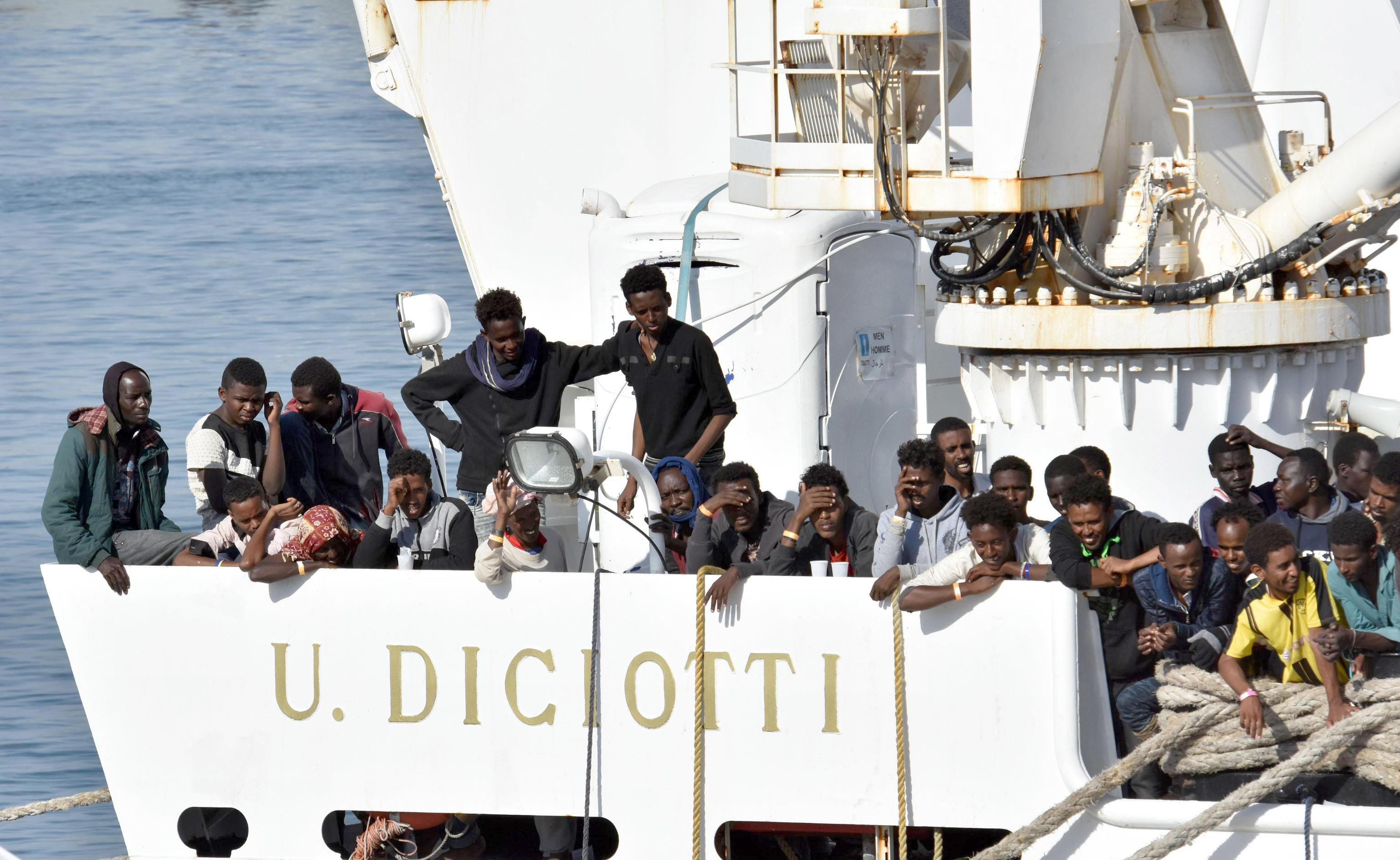 Migrant aid ship on way to Spain as Italy draws deeper line