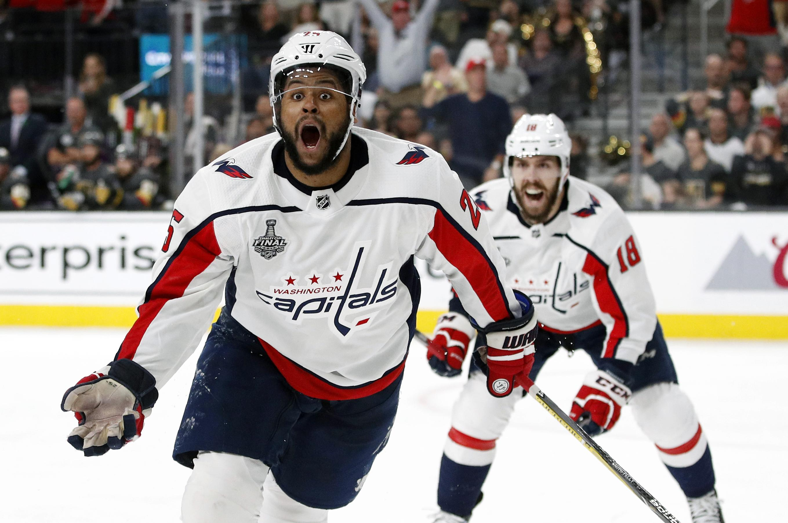Capitals re-sign playoff star Devante Smith-Pelly to 1-year deal ... 6549392348a