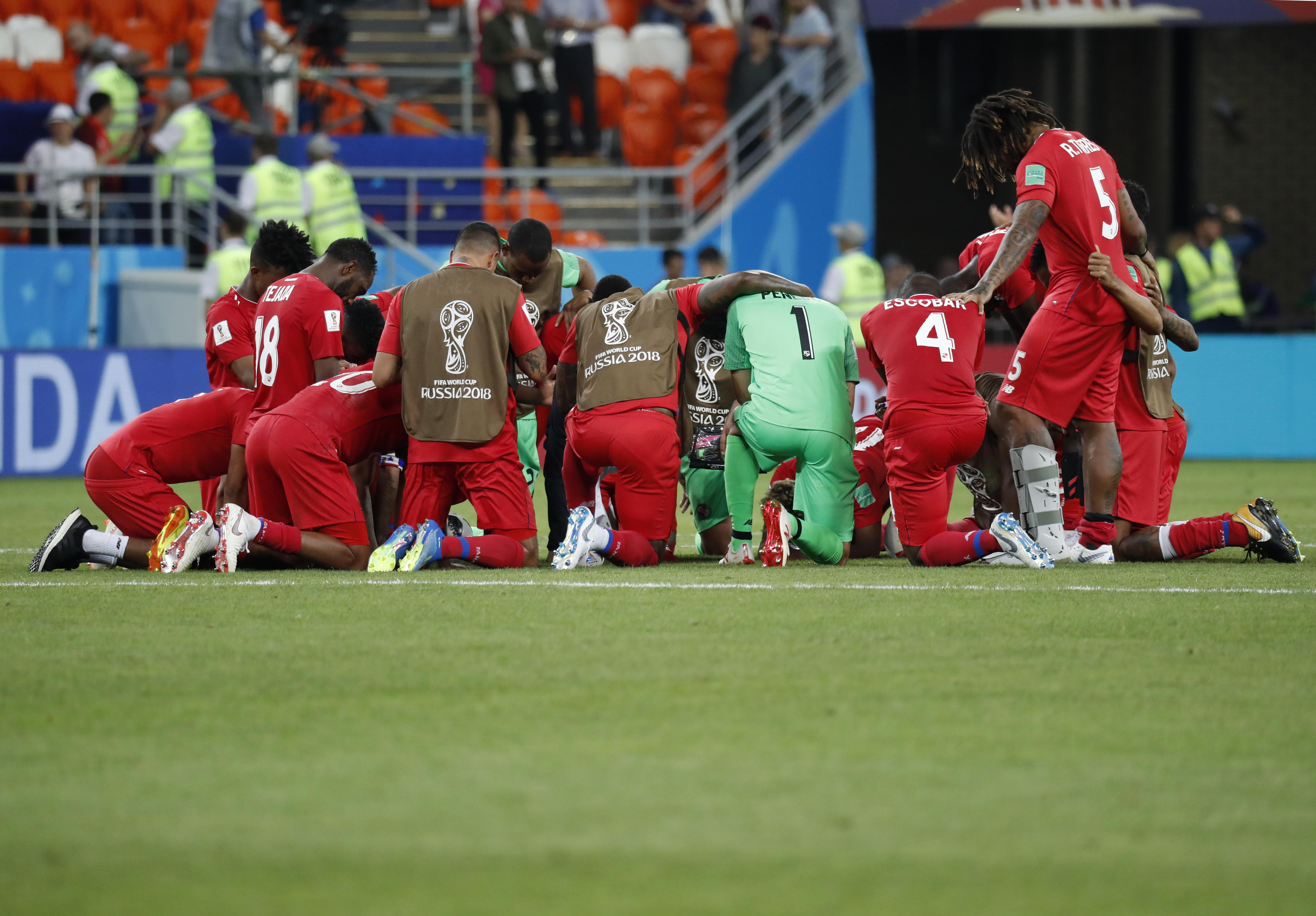 Panama coach gets mad after team called worst at World Cup | The