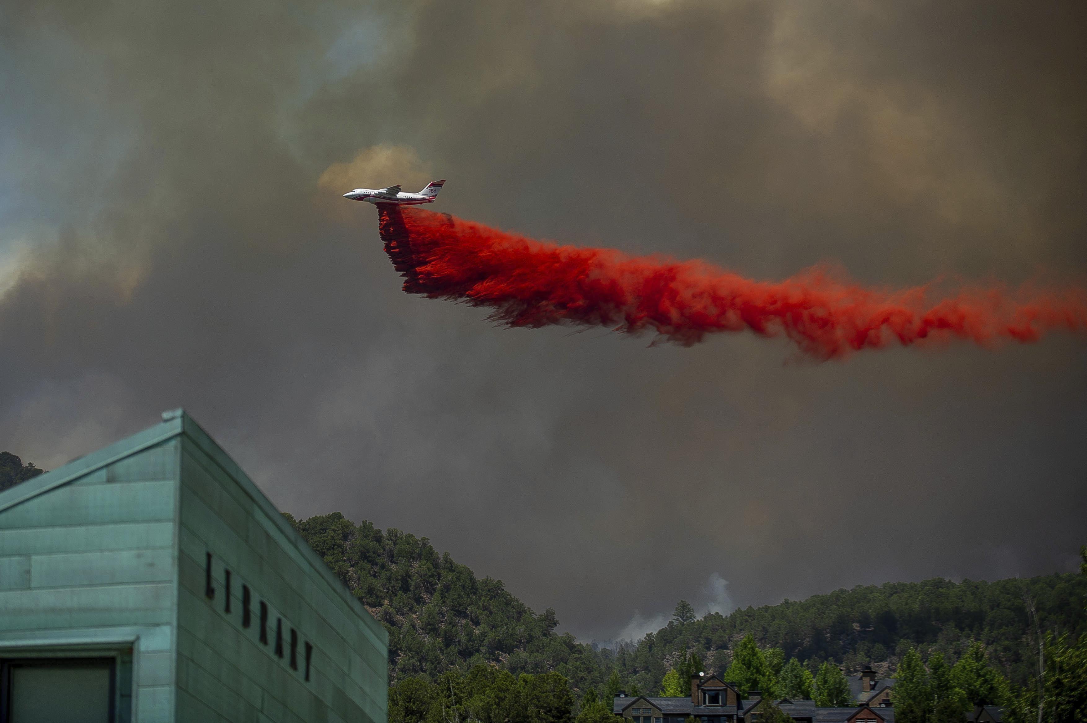 Colorado wildfire destroys 3 homes as flames menace U S