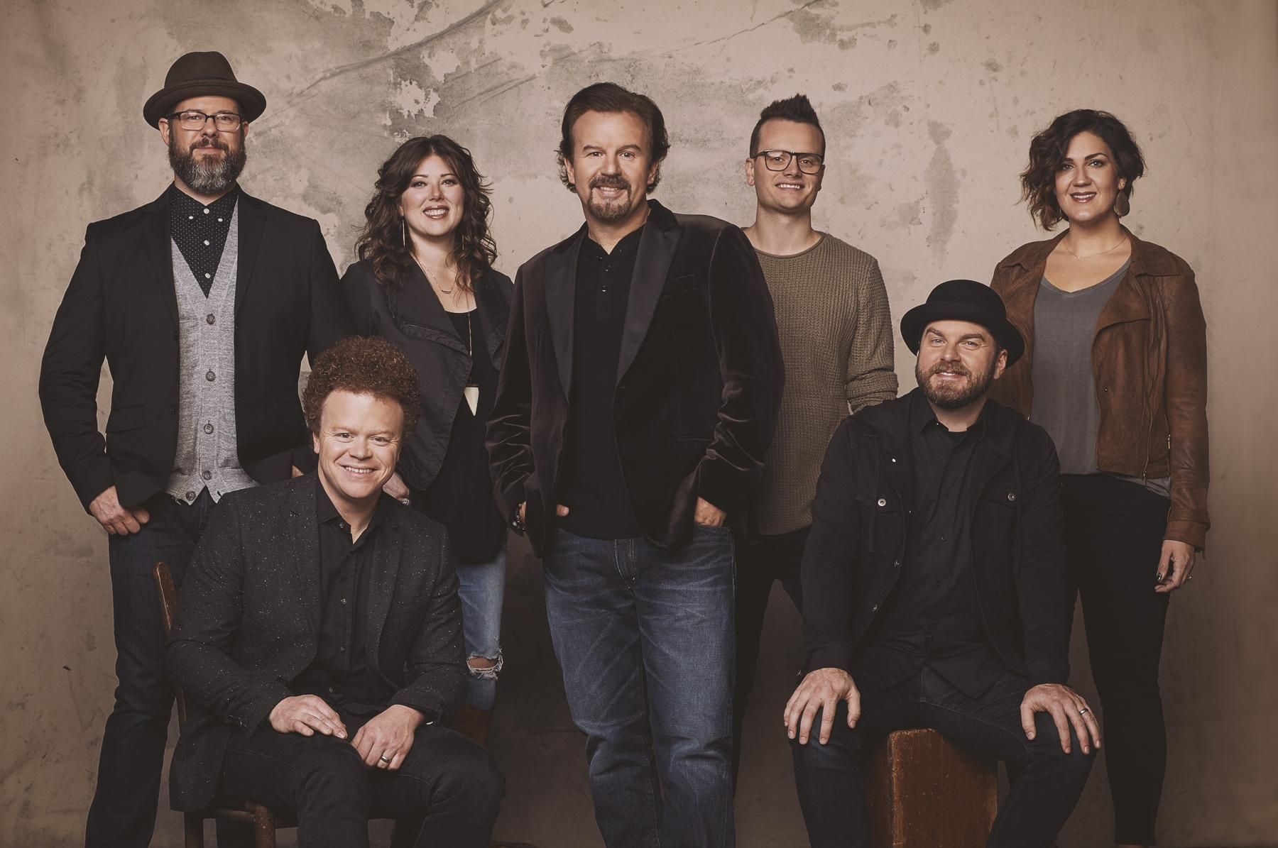 Casting Crowns will perform a mix of Christmas tunes and chart-topping hits on the