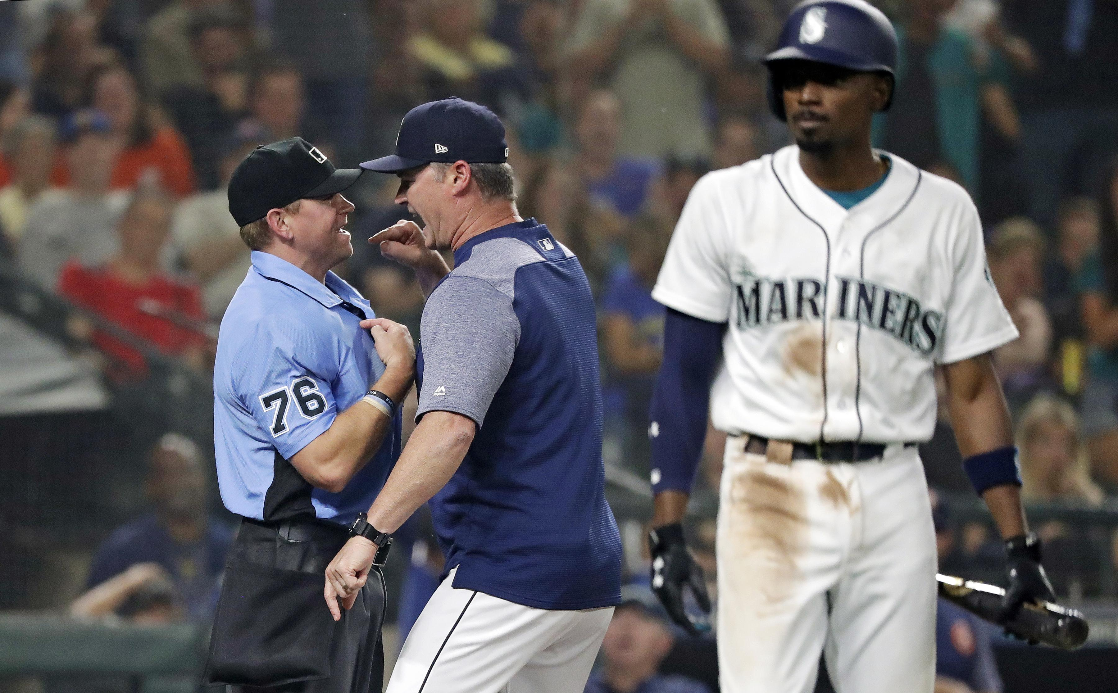 1e660626d9d Out of Right Field  Things get heated in the Mariners  clubhouse as ...