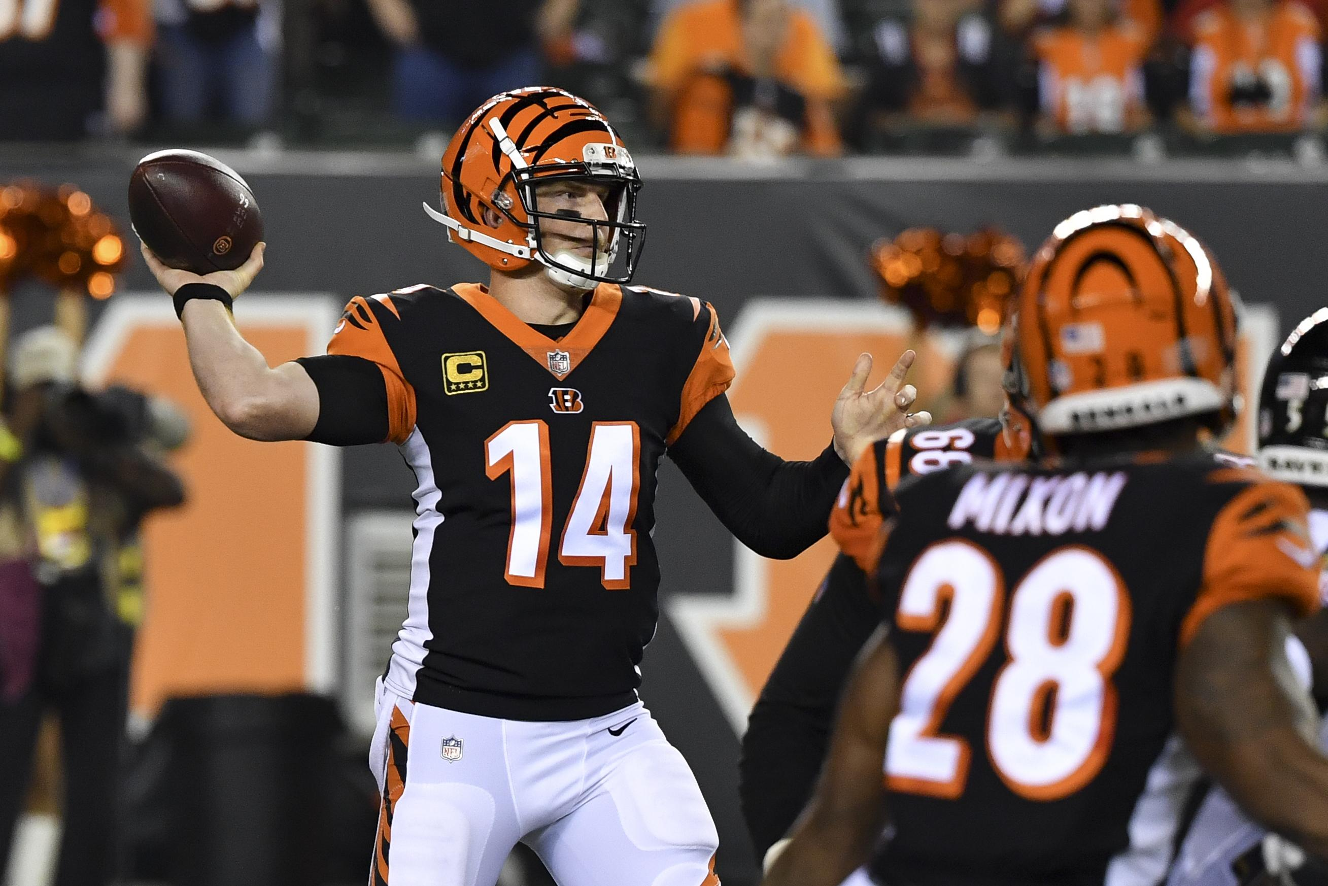 Cincinnati Bengals quarterback Andy Dalton throws in the first half of an NFL  football game against d1c29ed0c