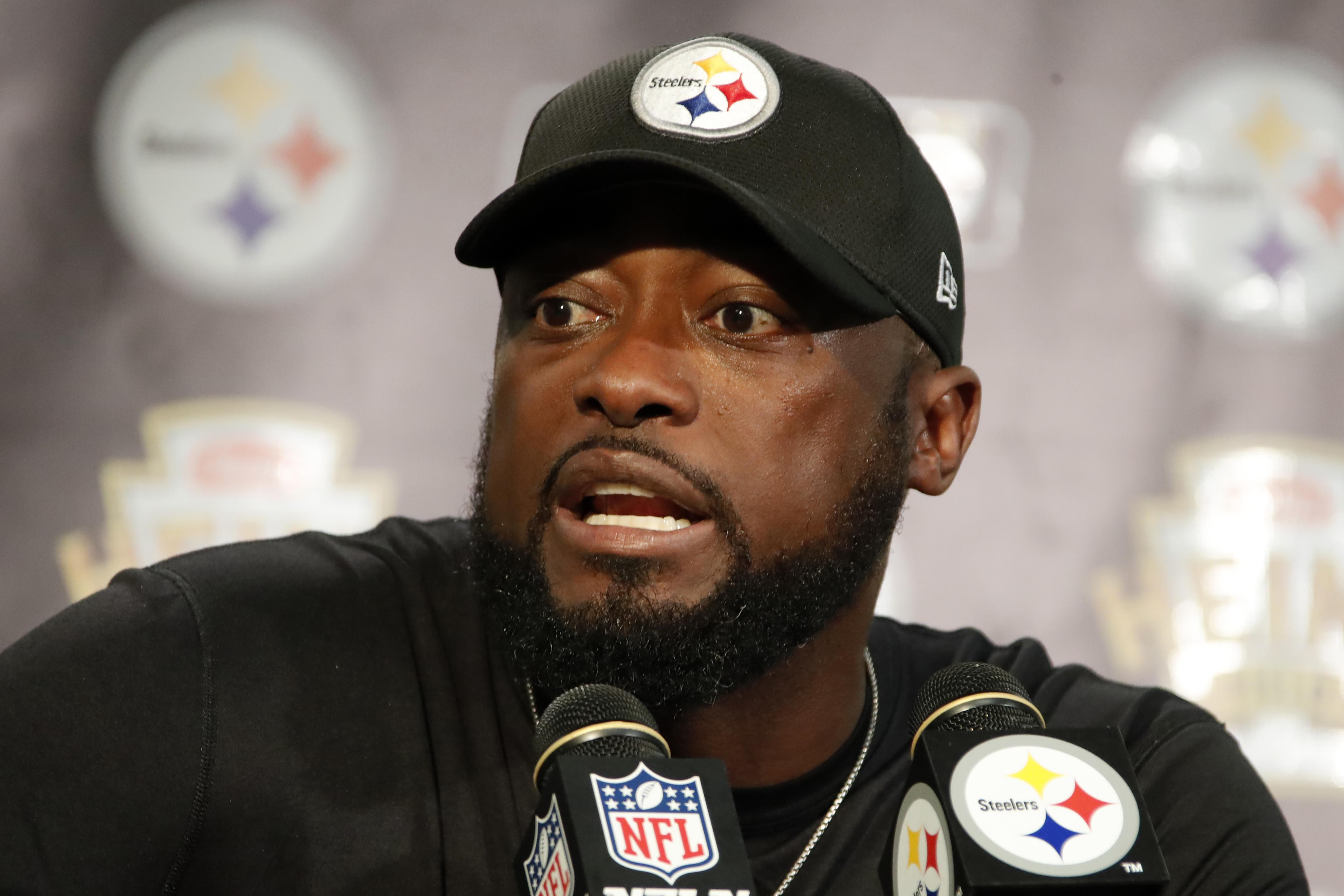 Steelers Plan To Talk Antonio Brown About Social Media Usage Hand Grip Kansa Busa Pittsburgh Head Coach Mike Tomlin Meets With Reporters After An Nfl Football Game Against The