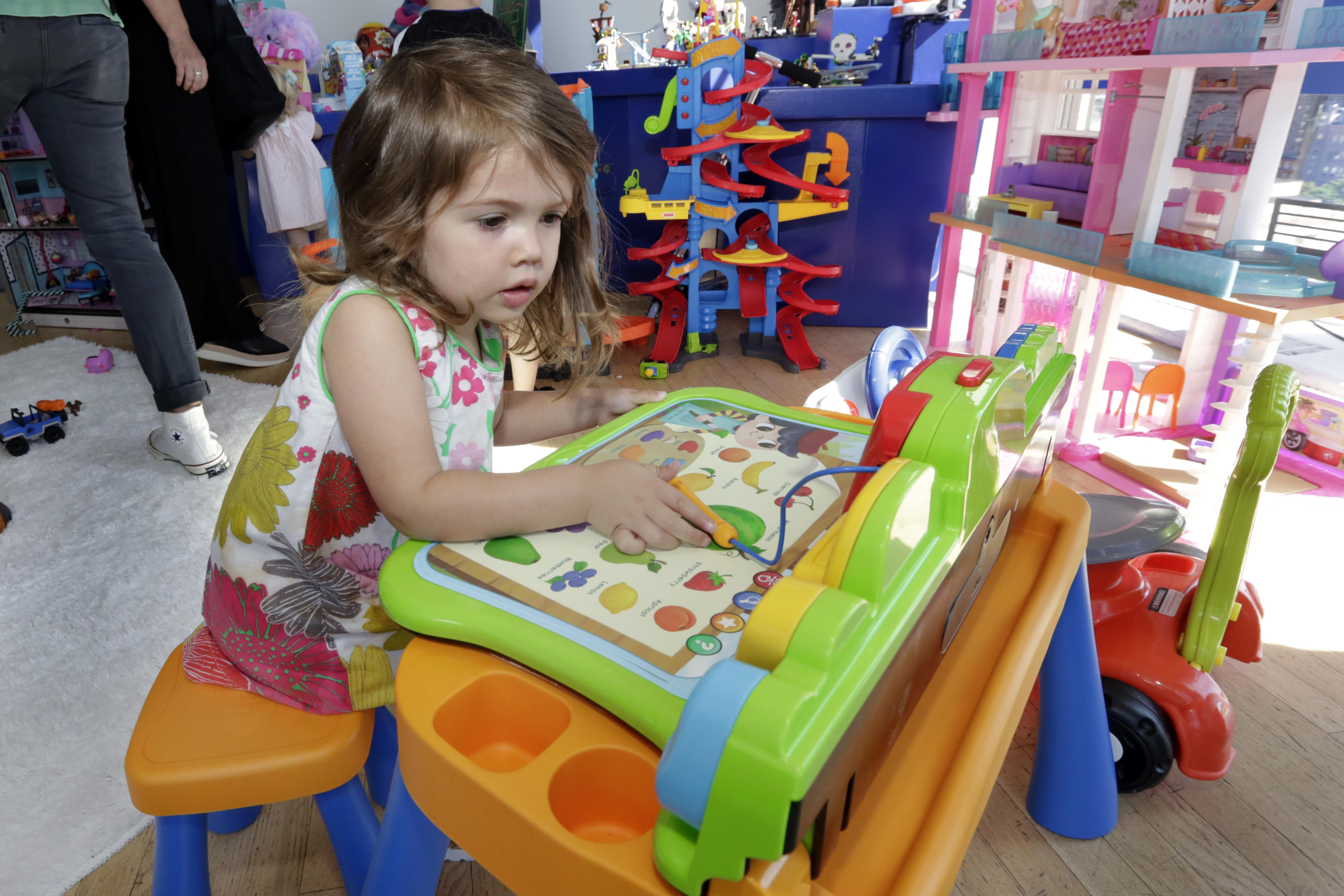 Retailers Up Their Game After Toys R Us Closures The Spokesman Review