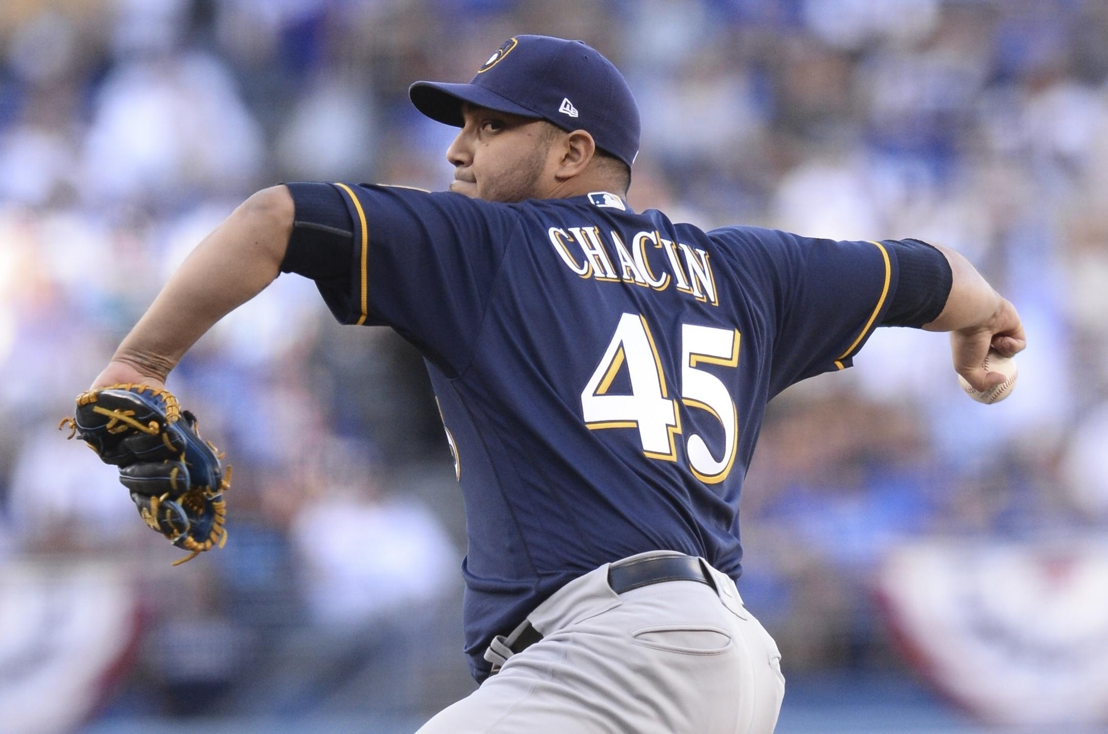 Jhoulys Chacin, Brewers' bullpen blank Dodgers 4-0 for 2-1