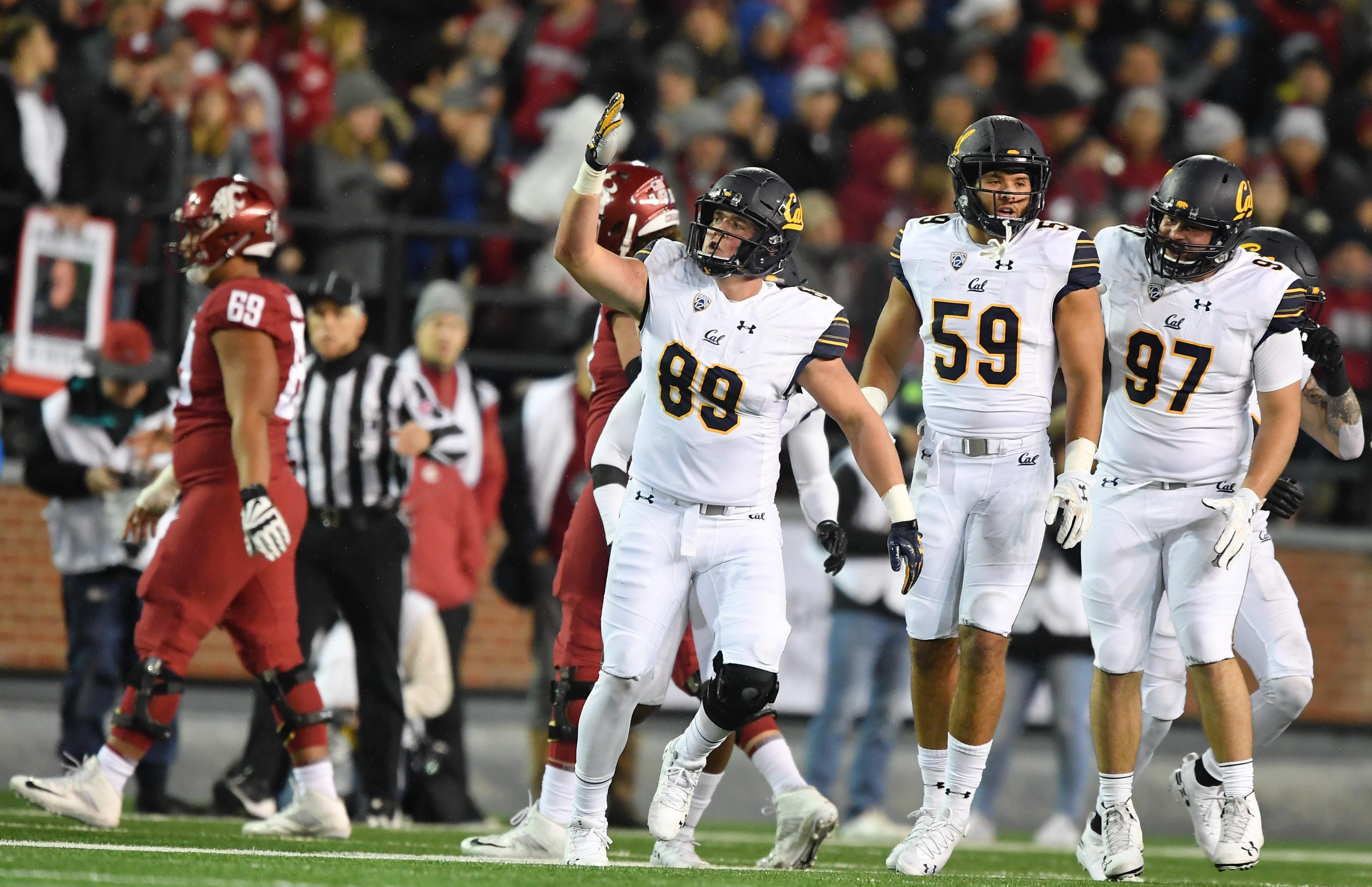 low priced 63447 93ccb California Golden Bears linebacker Evan Weaver (89) reacts after Cal  intercepted the ball against