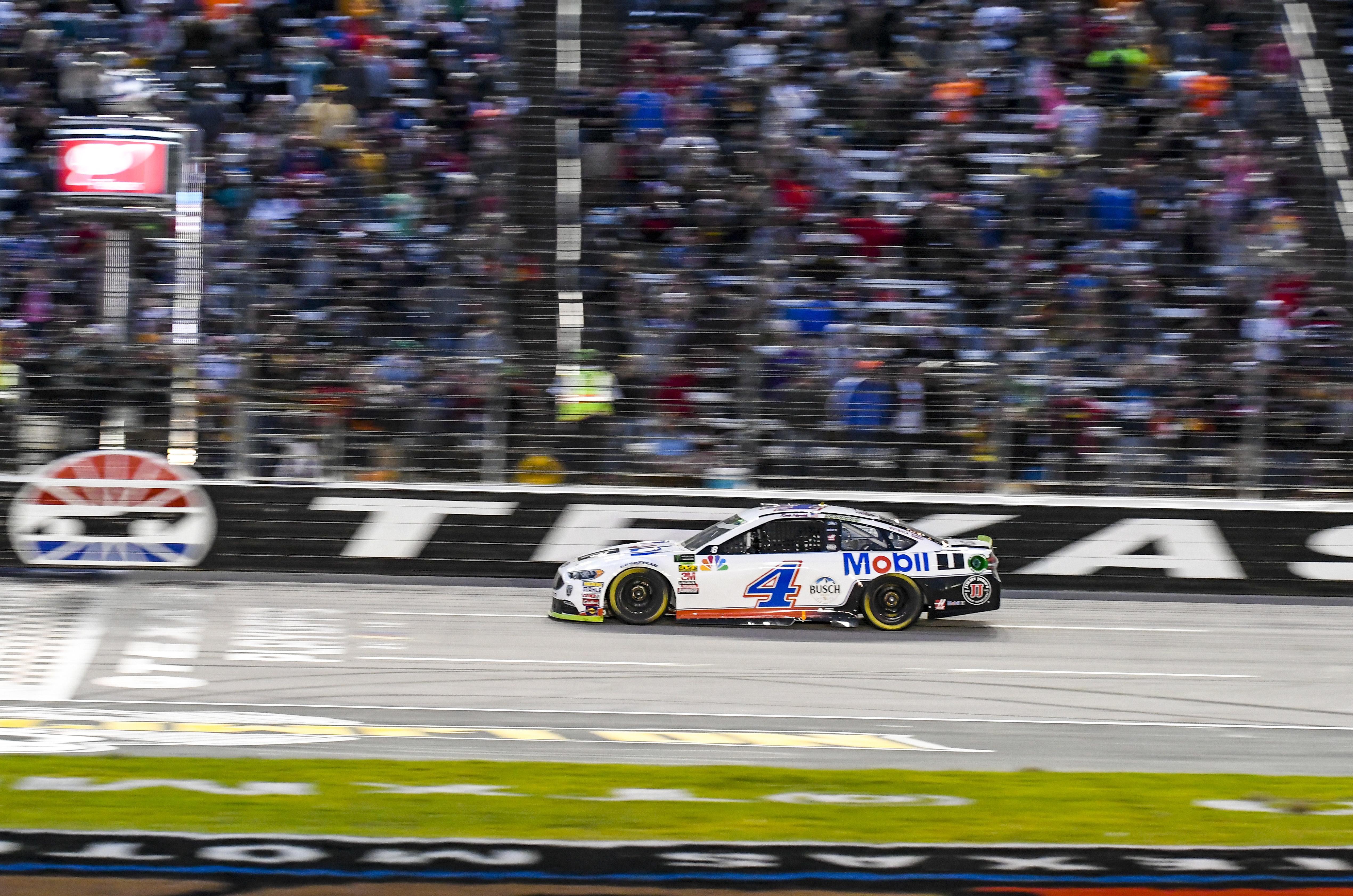 Kevin Harvick earns his shot at NASCAR Cup title with win at